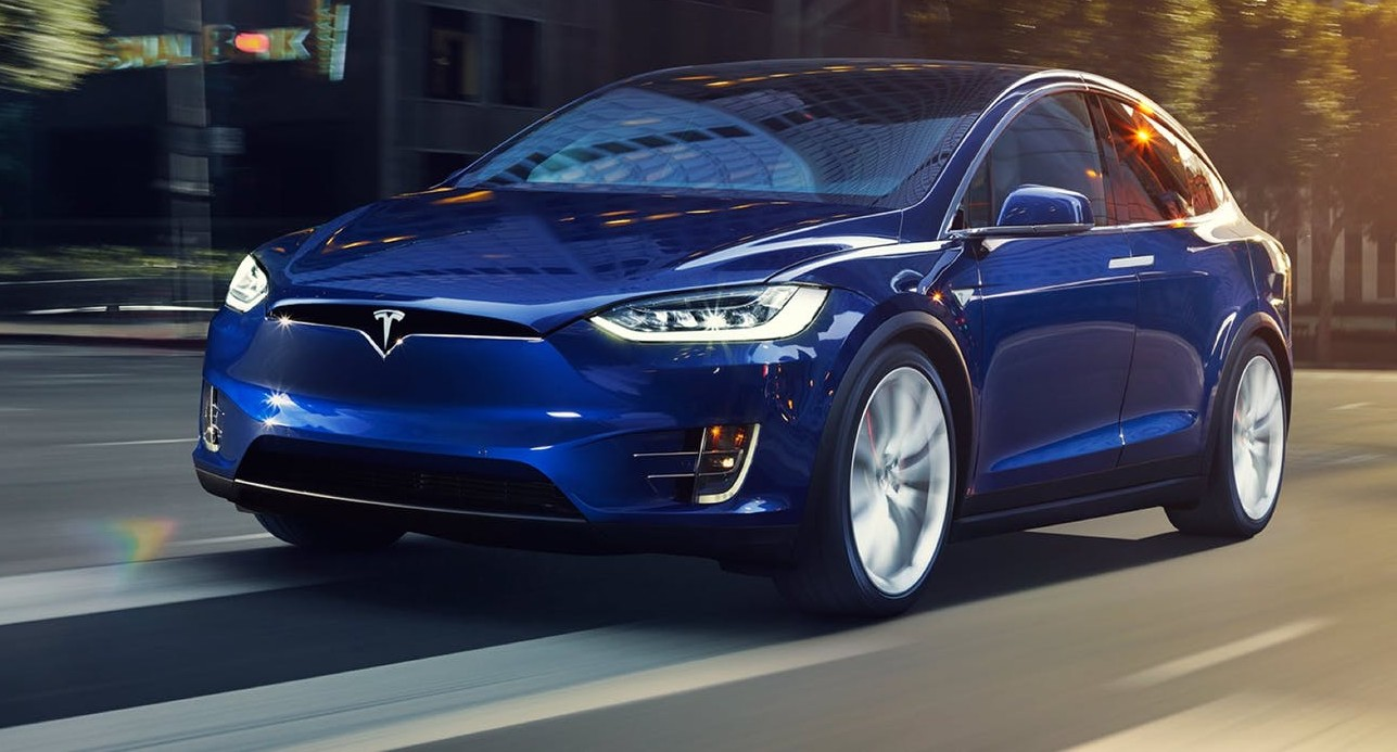 Tesla, other EVs required to have 'traditional engine' sound