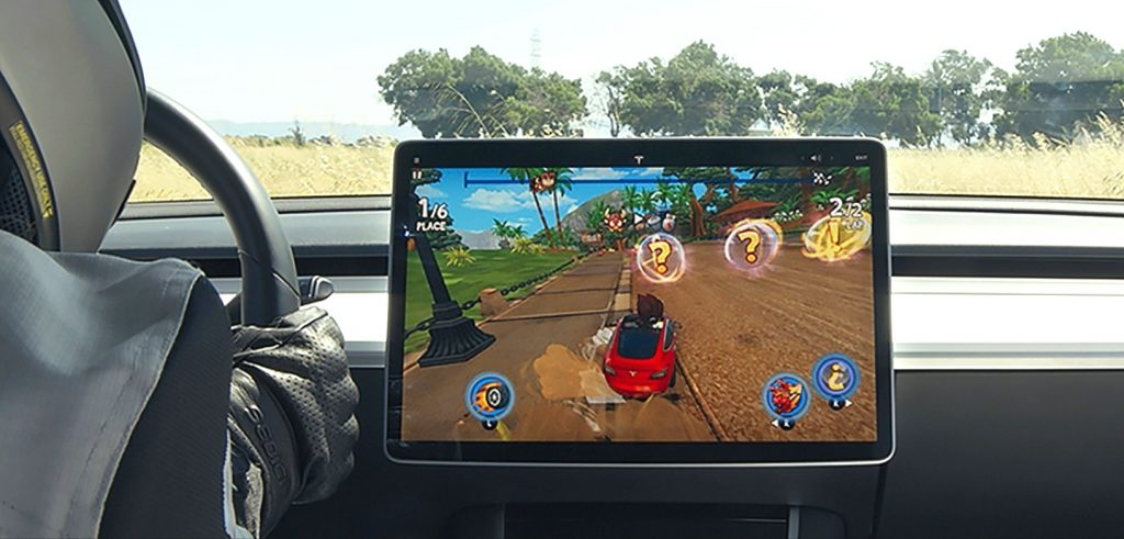 Tesla rolls out new racing game, releases invites for Tesla Arcade