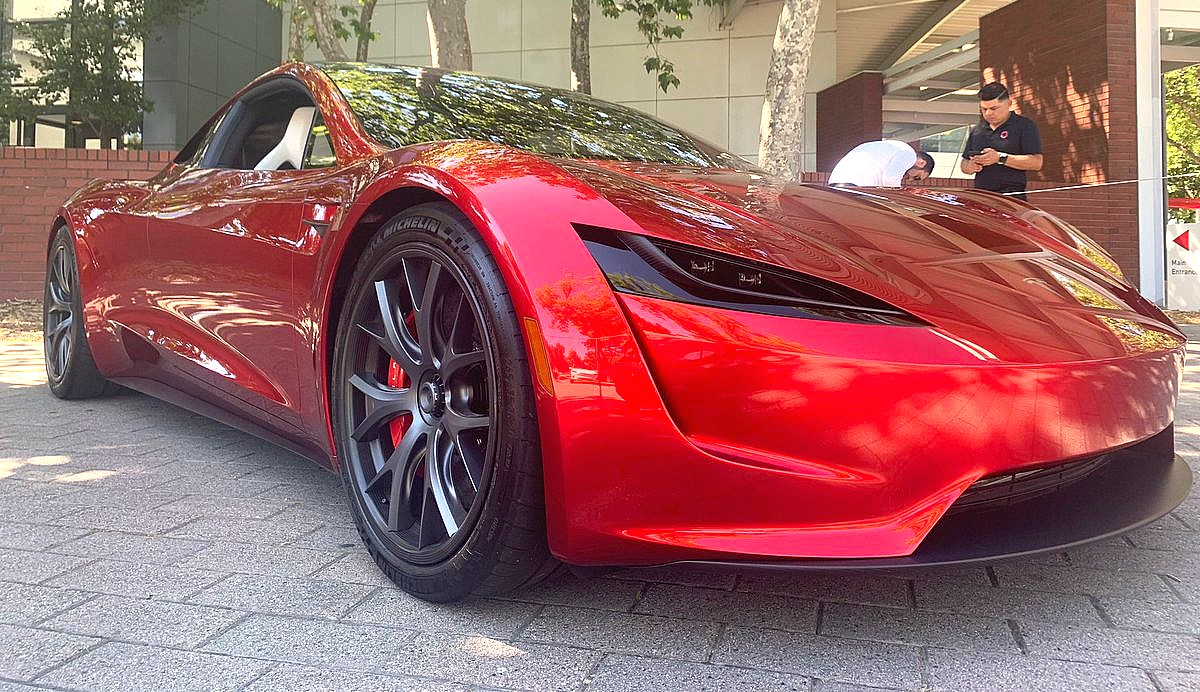 How Tesla's new Roadster can benefit from Maxwell's supercapacitors
