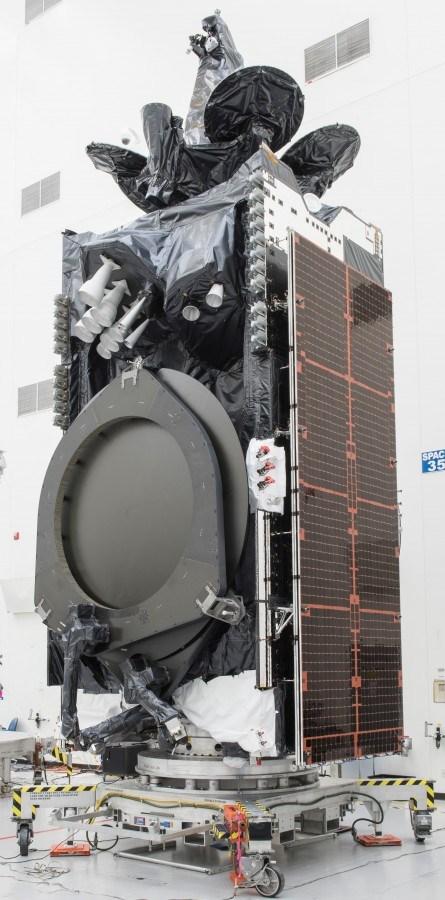 Amos 17 satellite processing (Boeing) 1