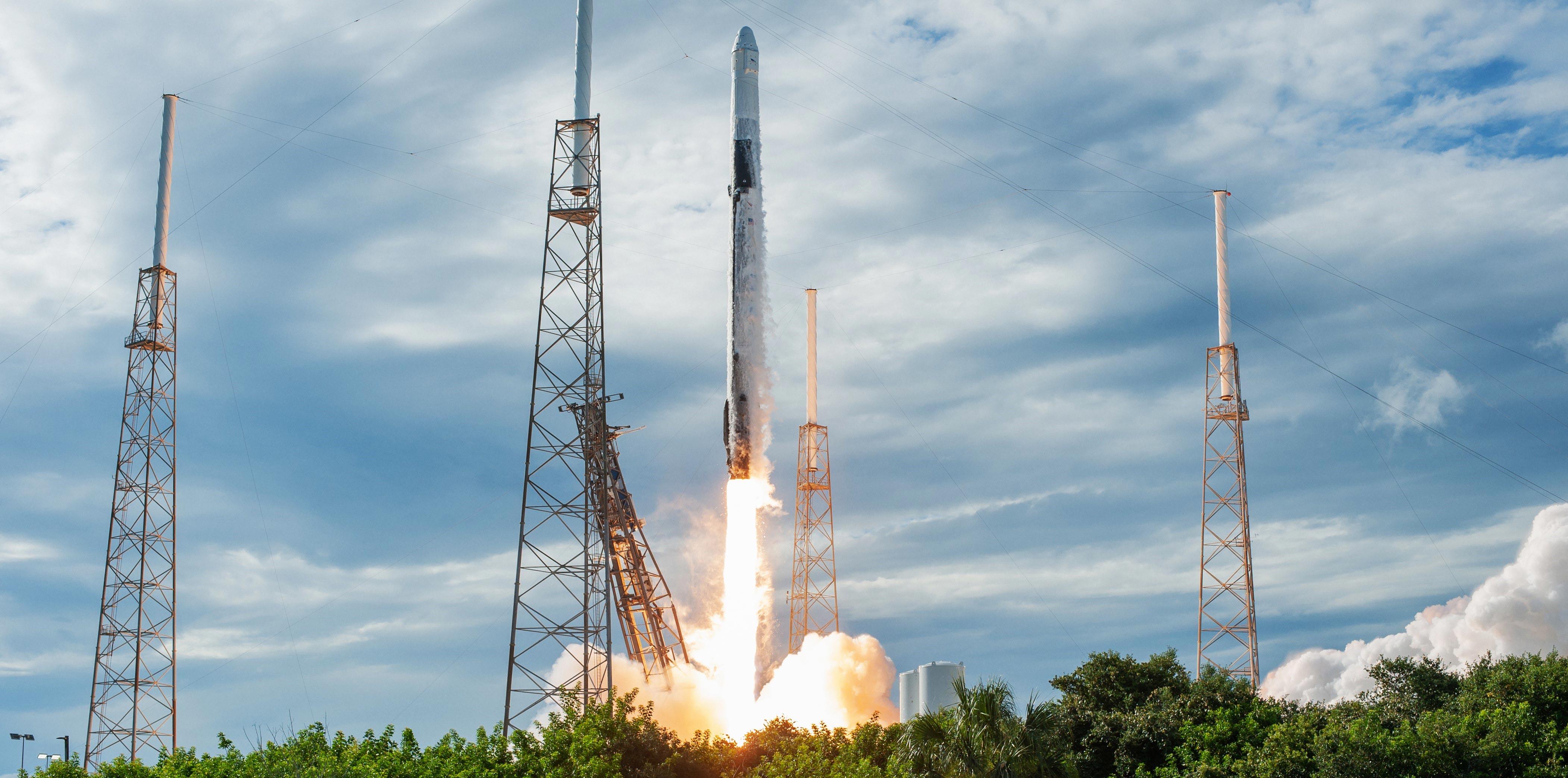 Cargo Dragon C108 CRS-18 Falcon 9 B1056 vertical (NASA) liftoff 3 crop (c)