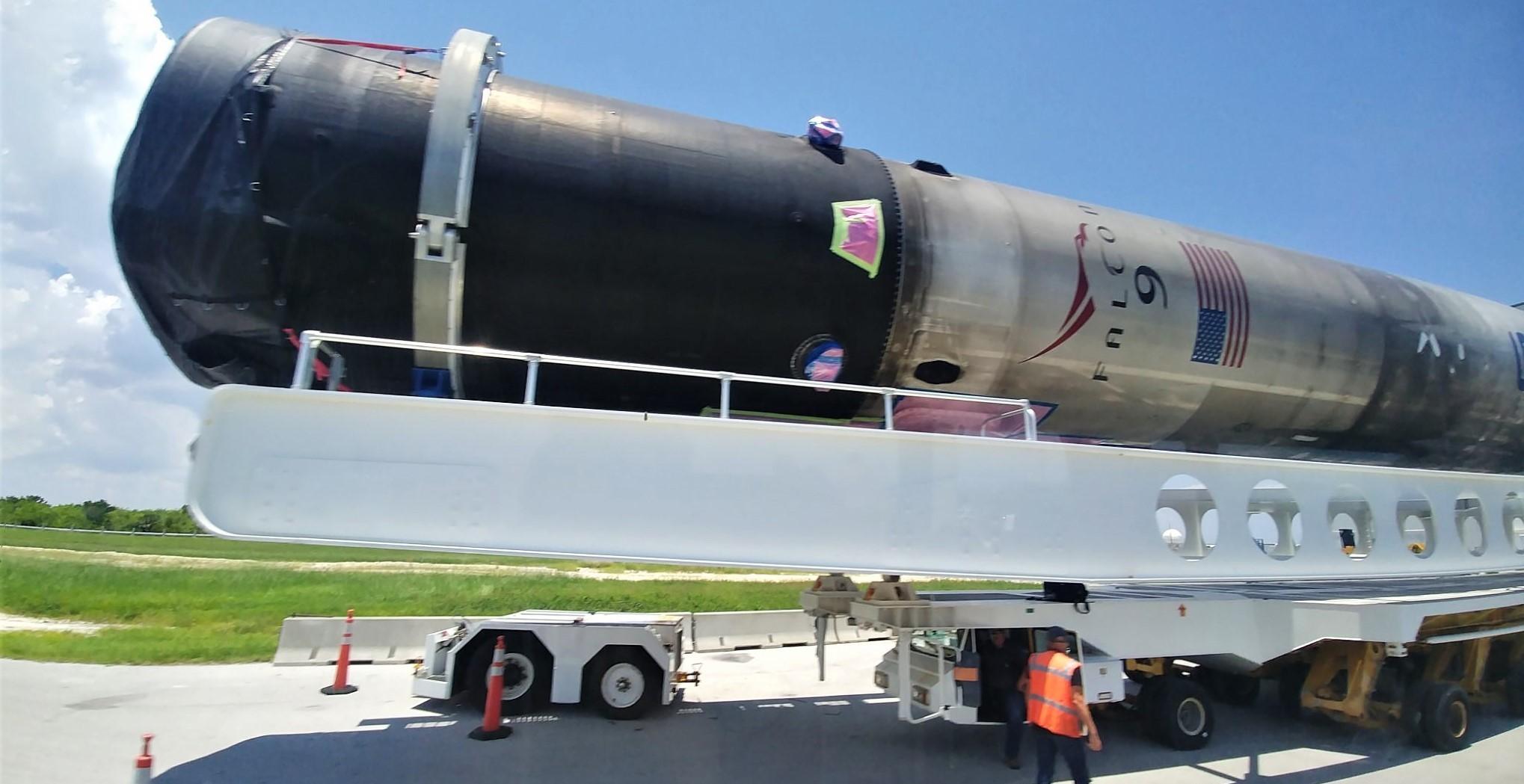 Falcon 9 Block 5 booster Pad 39A transport 070319 (Twitter – @astroperinaldo) 2 edit