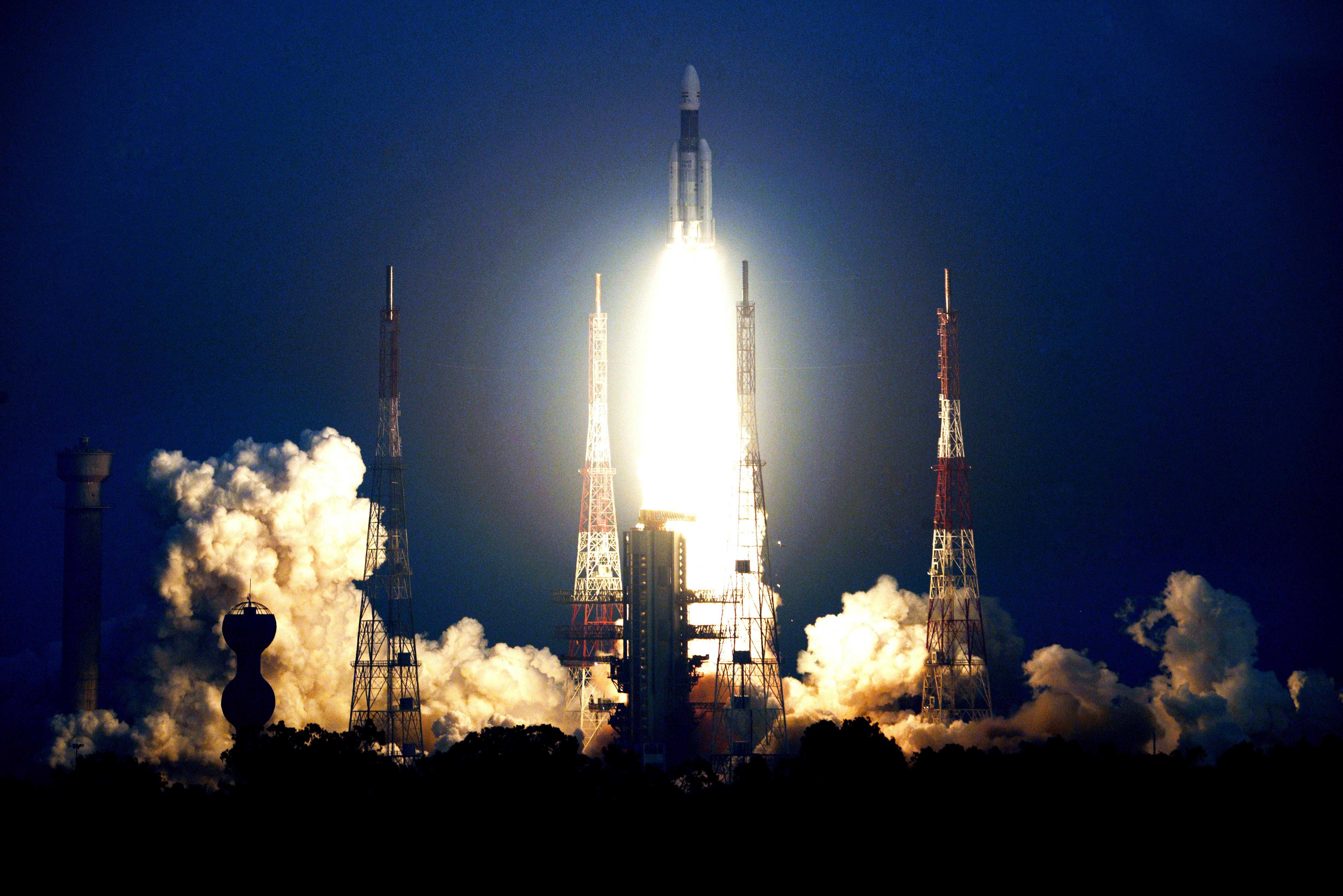 GSLV Mk III-D1 GSAT-29 Nov 2018 (ISRO) launch 2(c)