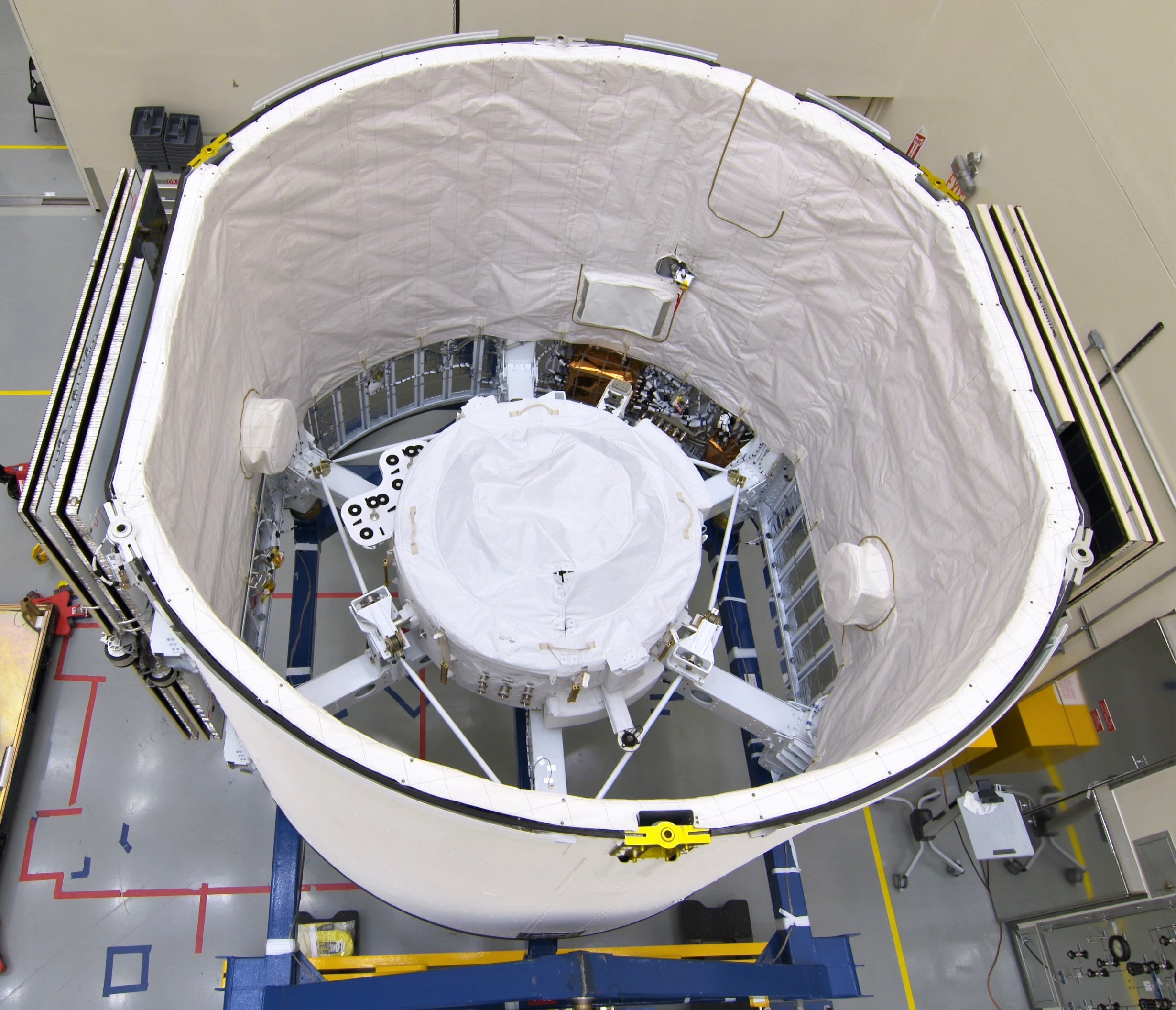 CRS-18 IDA-3 Installation into SpaceX Falcon 9 Trunk