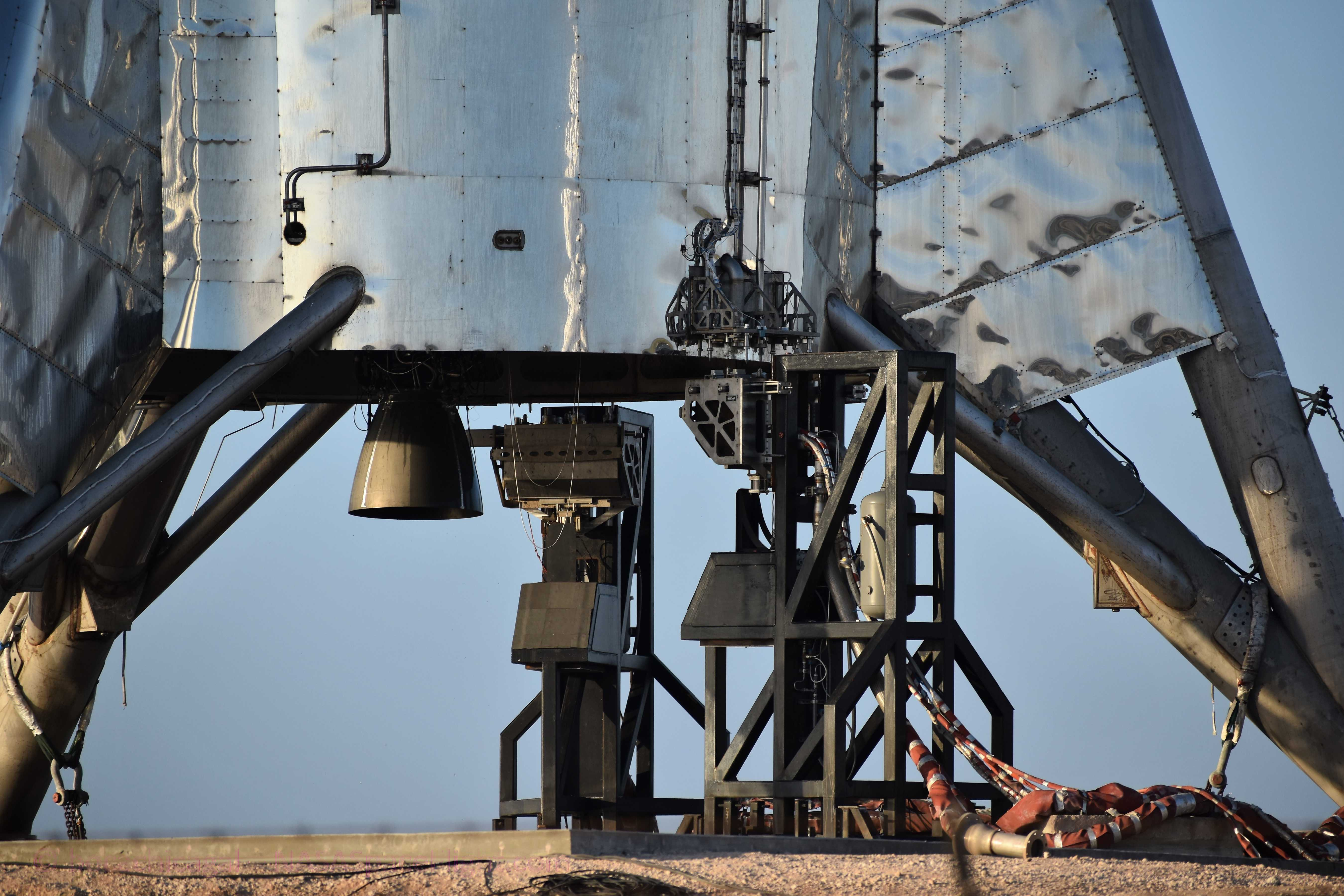 Starhopper Raptor SN06 post static fire anomaly 071719 (NASASpaceflight – bocachicagal) 2 (c)