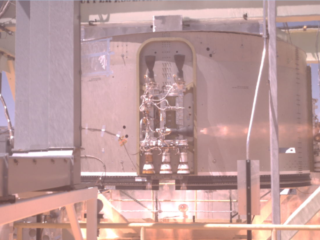 Starliner service section static fire test May 2019 (Boeing – NASA) 1