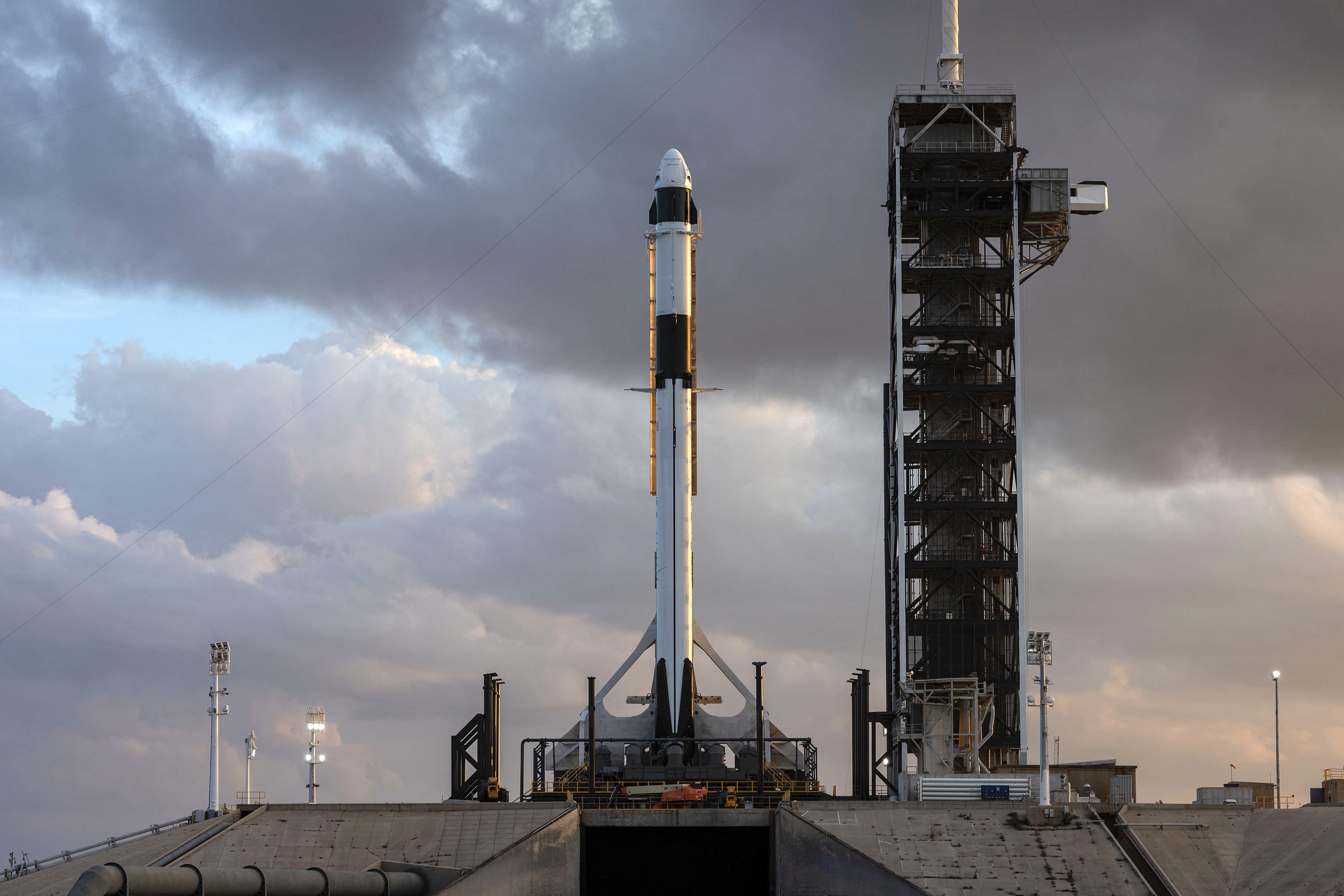SpaceX Crew Dragon capsule & Falcon 9 Booster. (SpaceX)