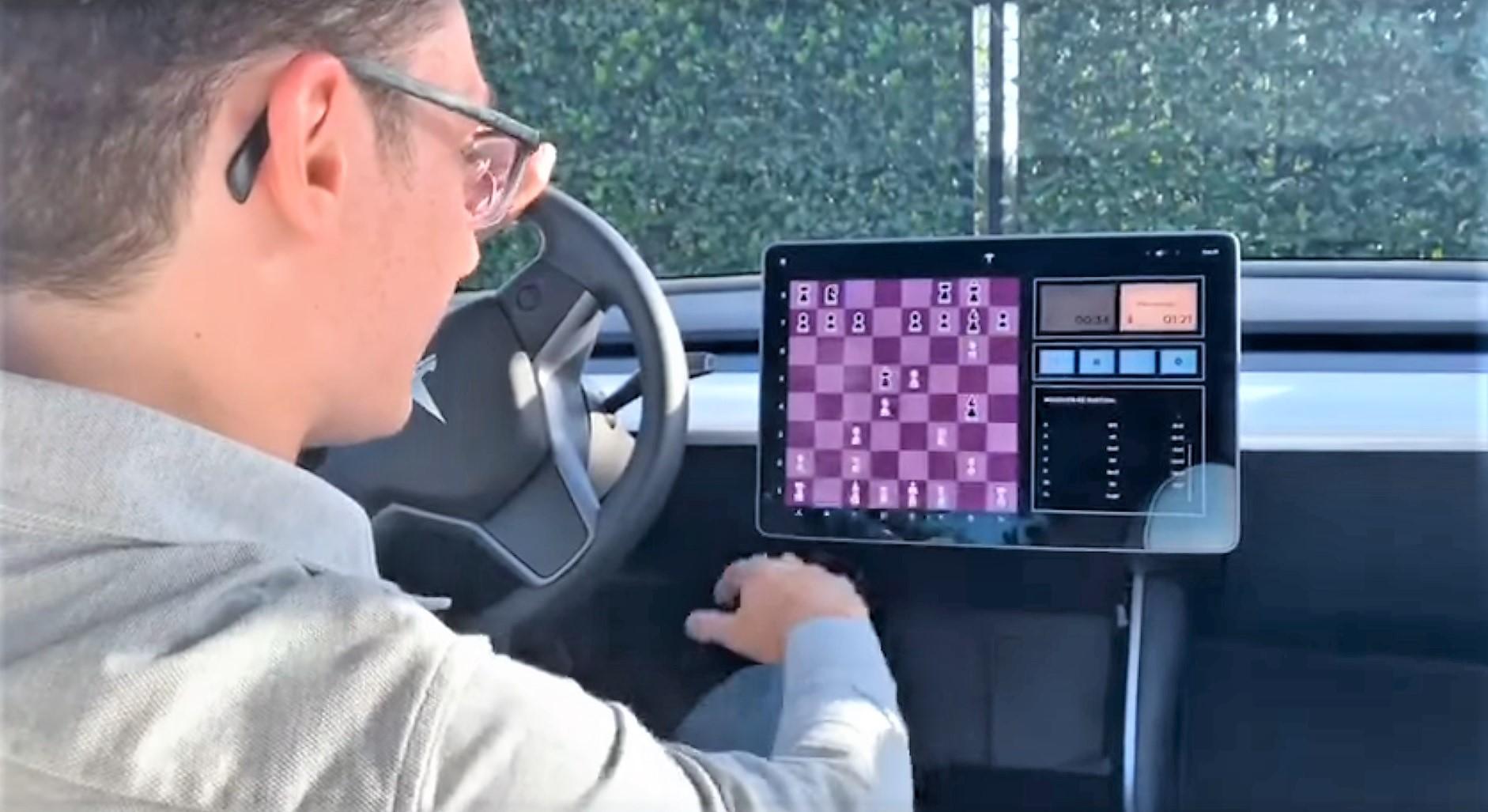 Tesla Arcade duels US Chess Grandmaster in Model 3 vs  human matchup