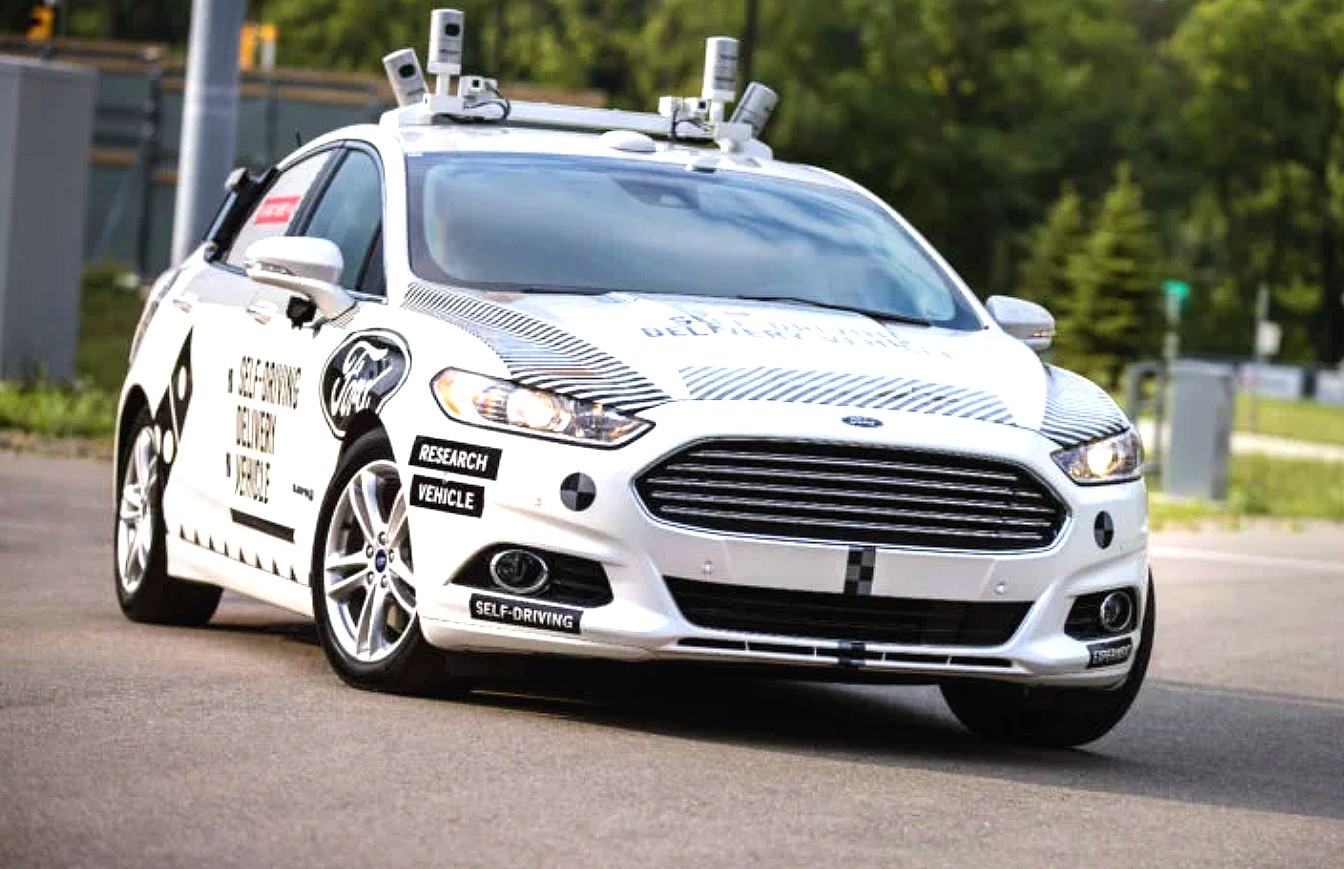 Auto Driving Car >> Ford Executive Says Full Self Driving Cars Will Last Only 4