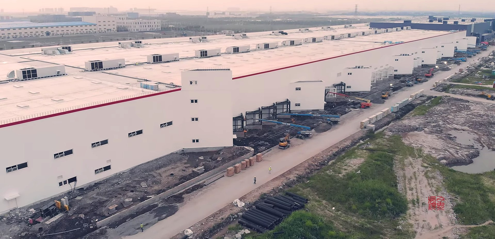 tesla-gigafactory-3-late-august