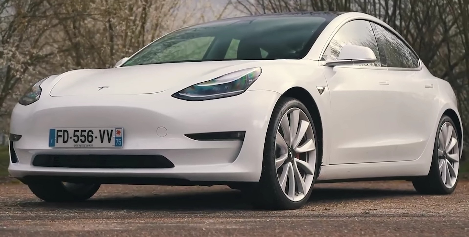 Best Ev Cars >> Tesla Model 3 Hailed As Best Electric Car You Can Buy In
