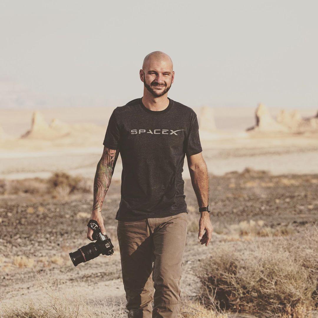tomcross-camera-desert-photo