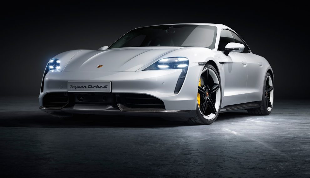 Porsche Taycan Is Here 0 60 Mph In 2 6 Sec 750 Hp Good Looks With A 911 Price Tag