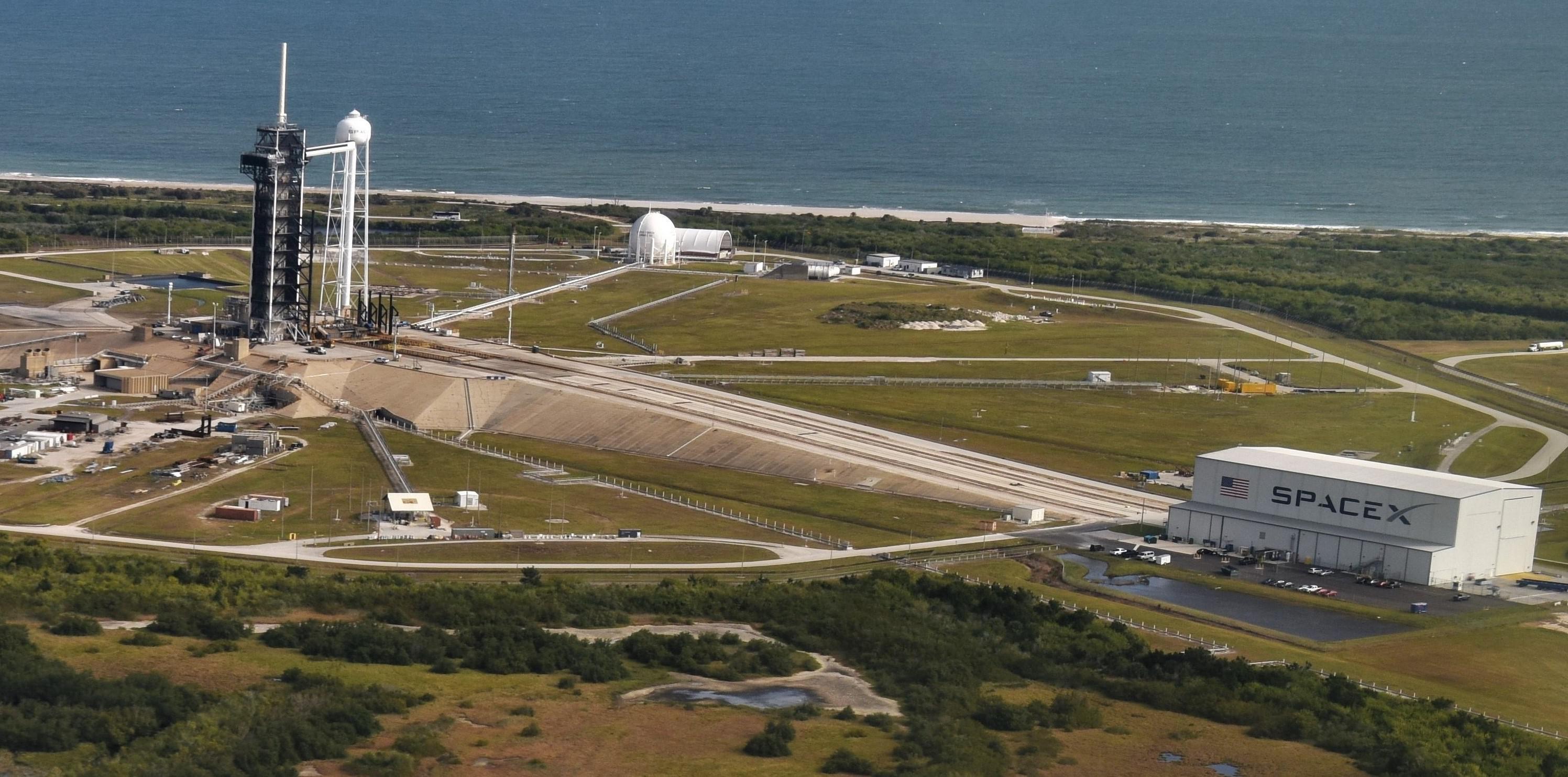 SpaceX Pad 39A 020419 (USAF – Hope Geiger) crop 2
