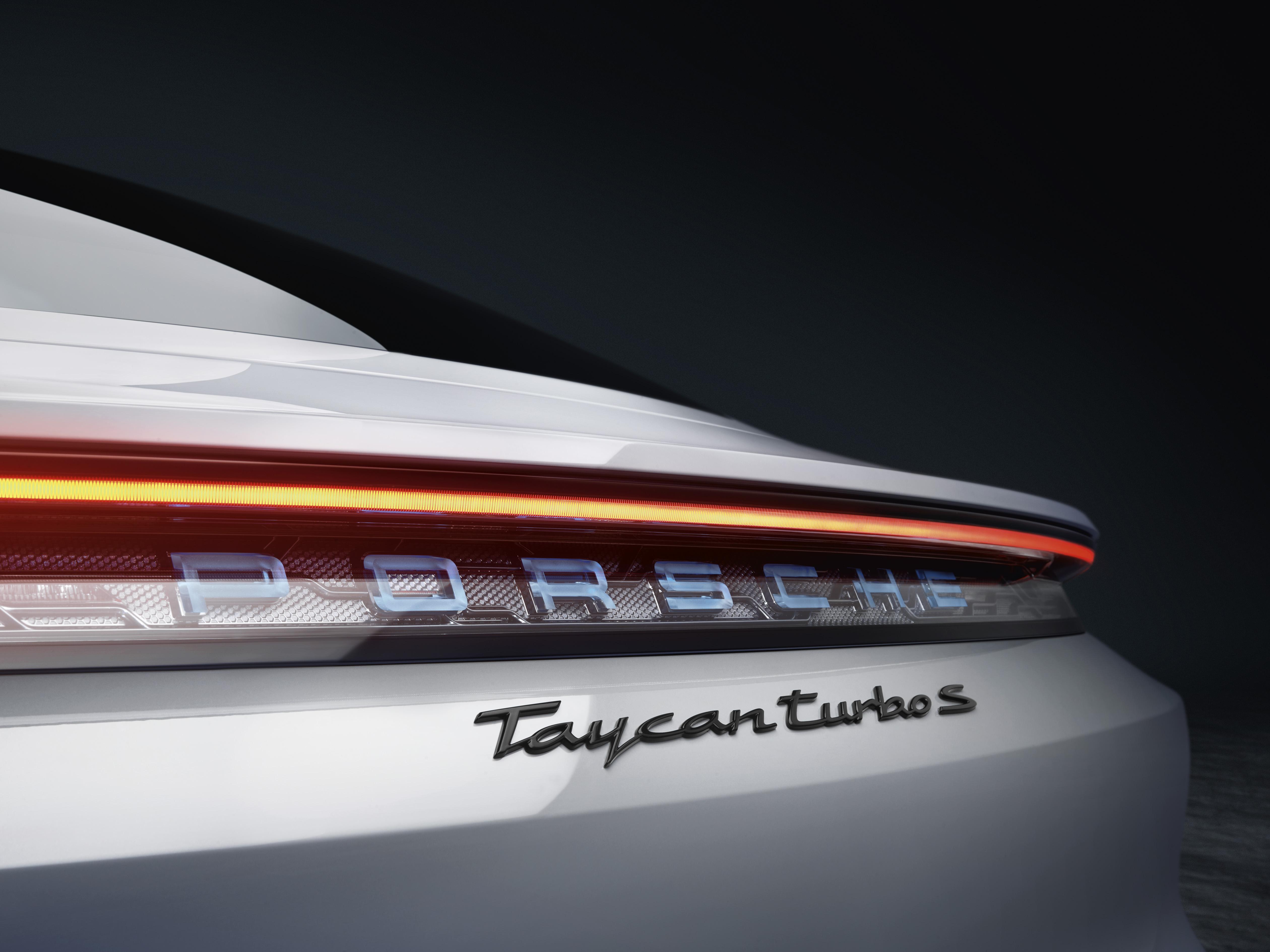 Taycan Turbo S (18)