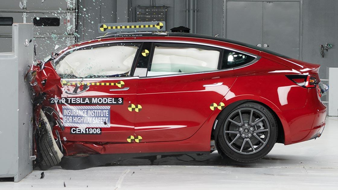Tesla-model-3-crash-iihs