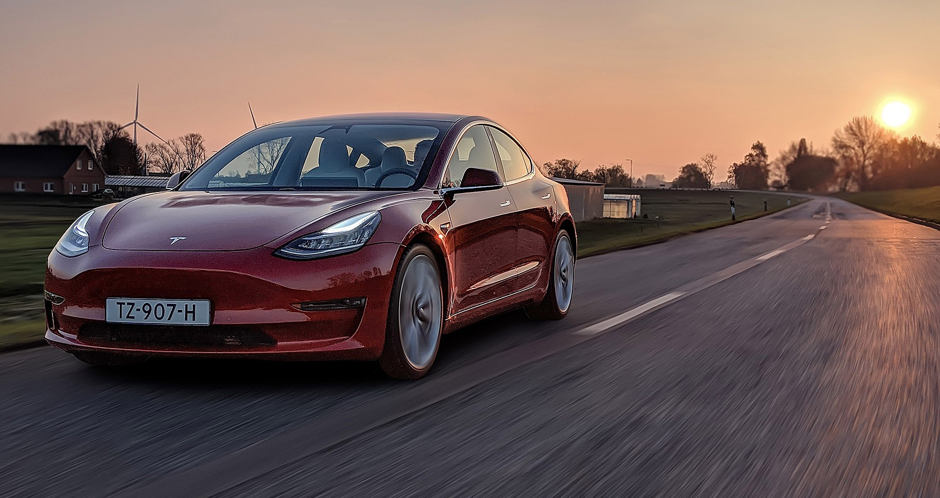 Tesla Model 3 makes it as one of Motortrend's Car of the Year Top 3 finalists