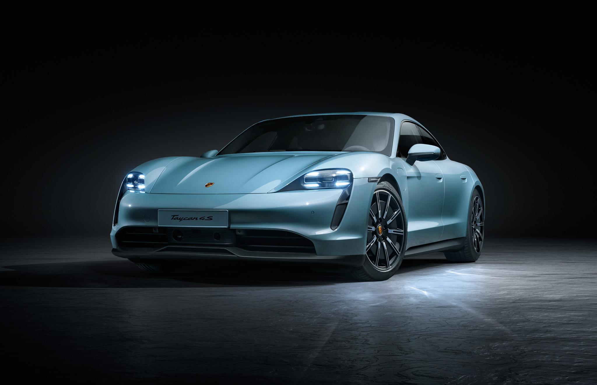 01 Porsche Taycan 4S