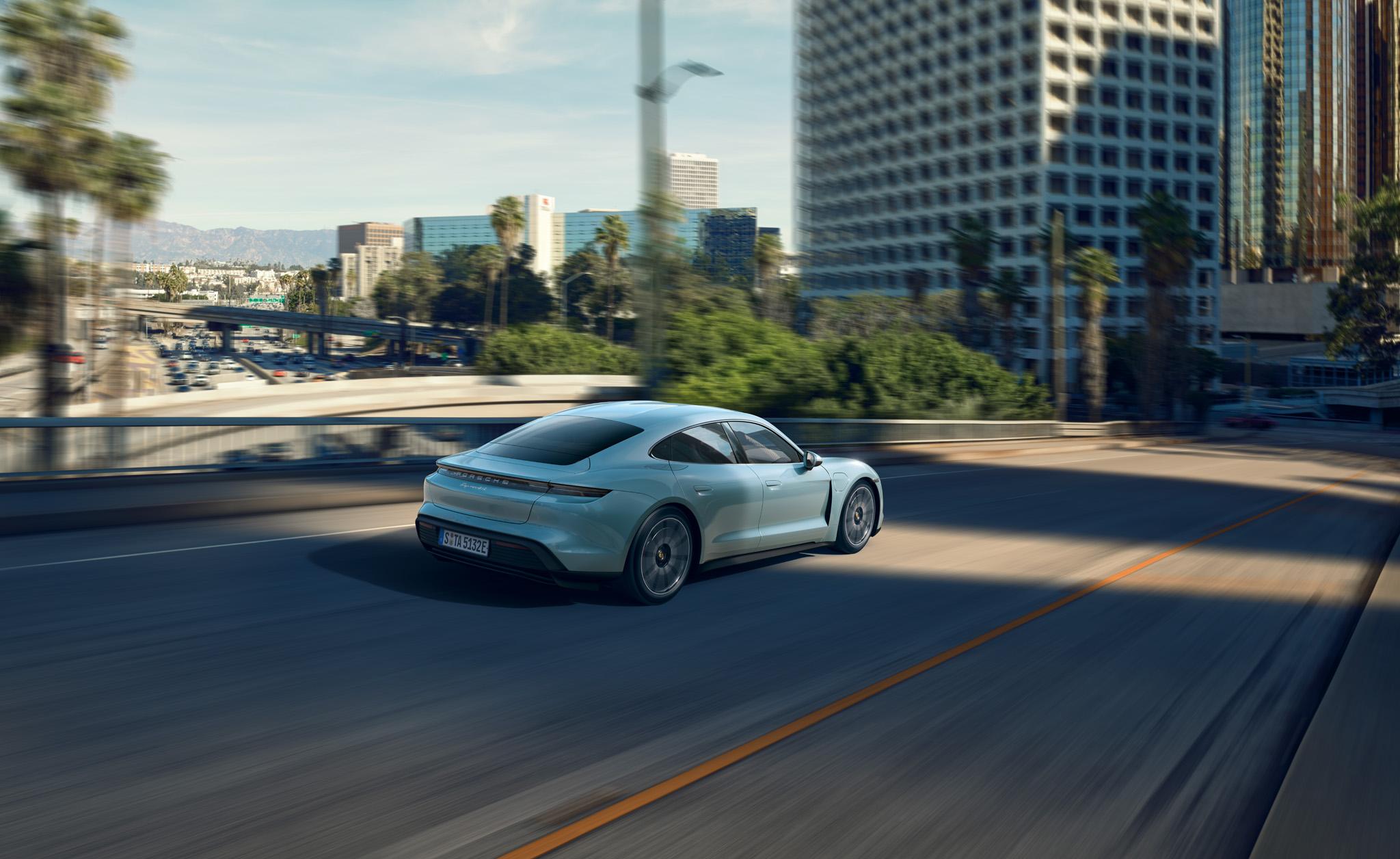 09 Porsche Taycan 4S