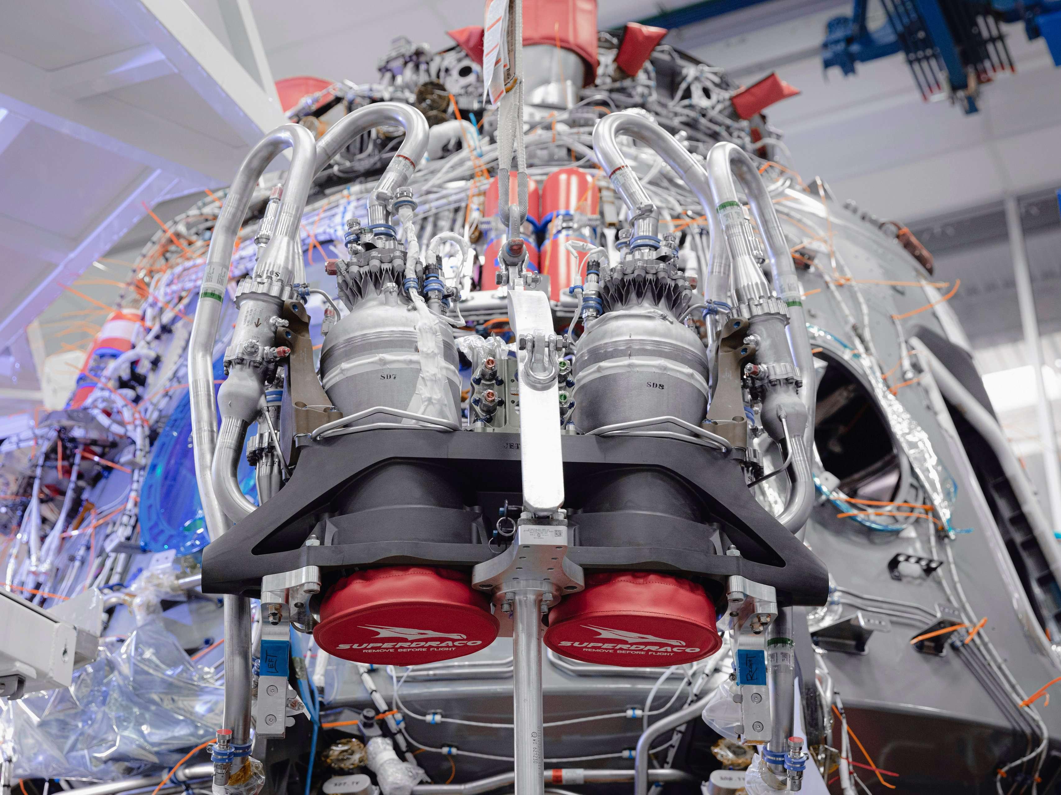 Crew Dragon C206 Demo-2 SuperDraco install Oct 2019 (SpaceX) 1 (c)