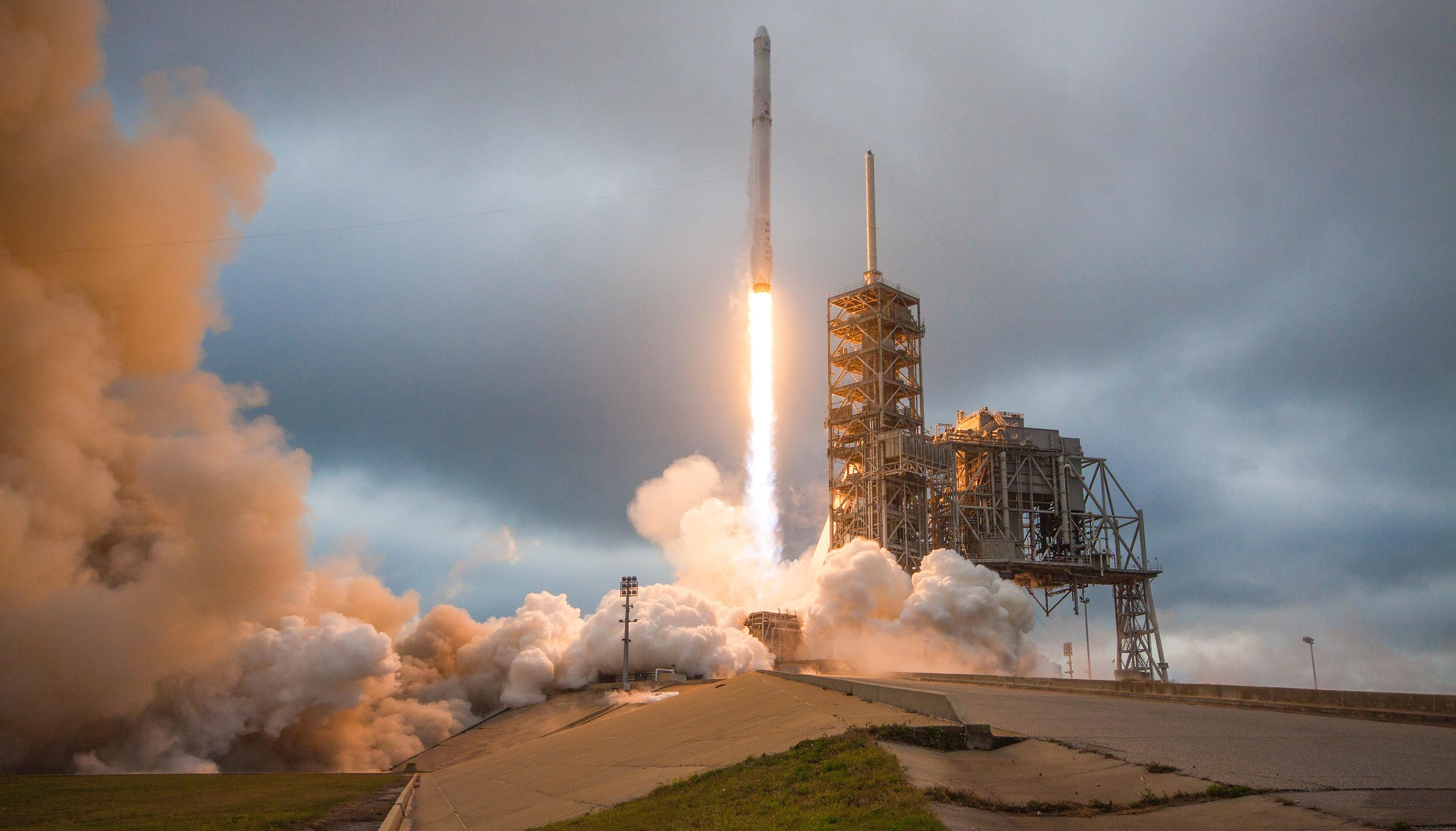 Falcon 9 CRS-10 39A 021917 (SpaceX) 1 crop