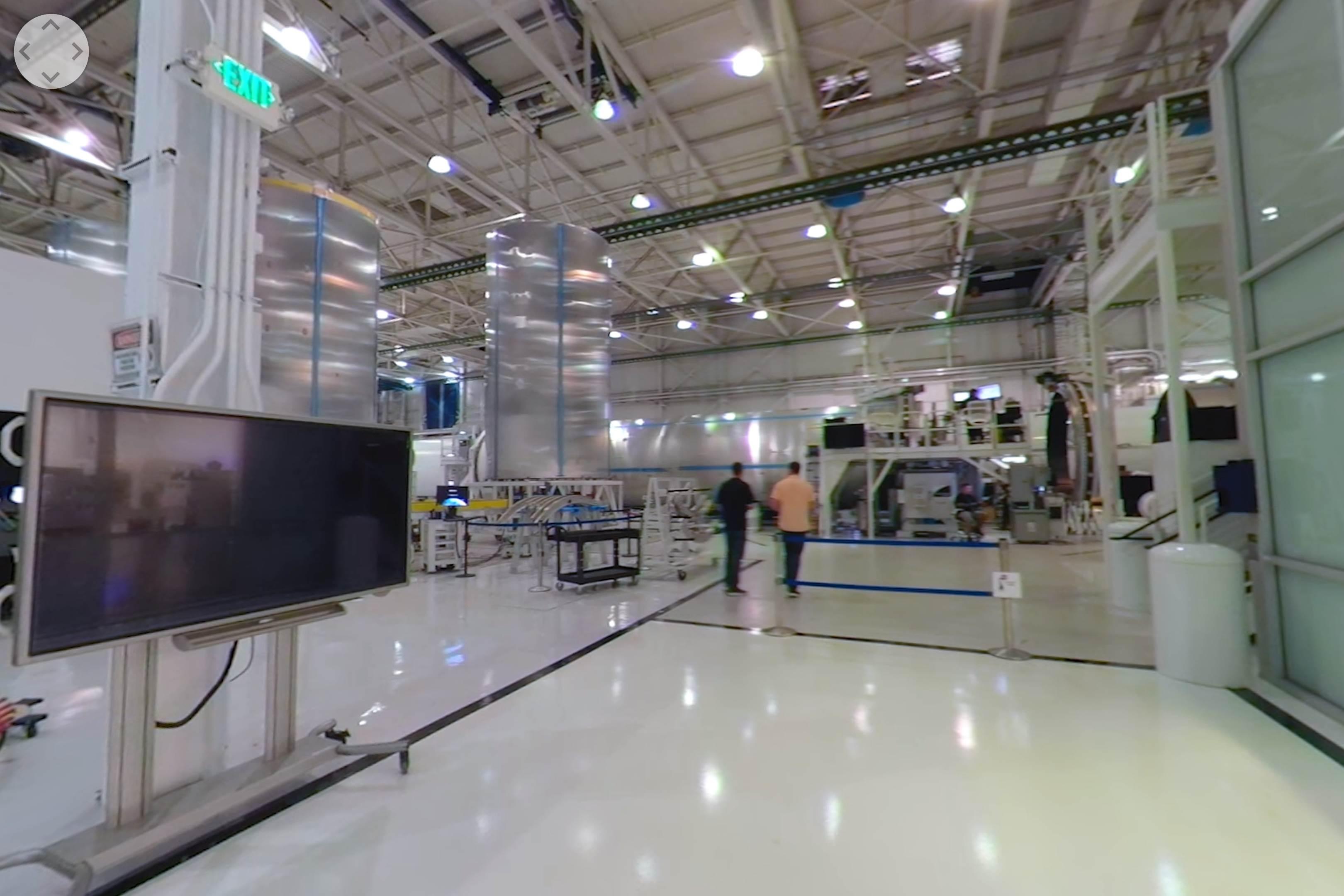 Hawthorne tour 2019 (NASA) Falcon 9 tank land 2