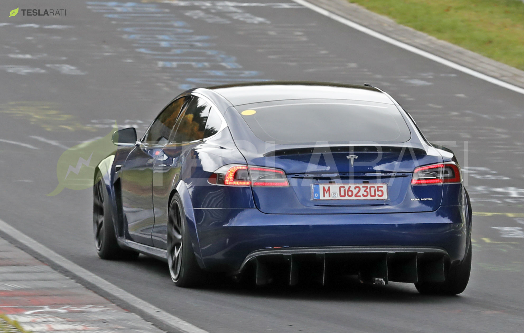 Blue Tesla Model S Plaid Nurburgring 19