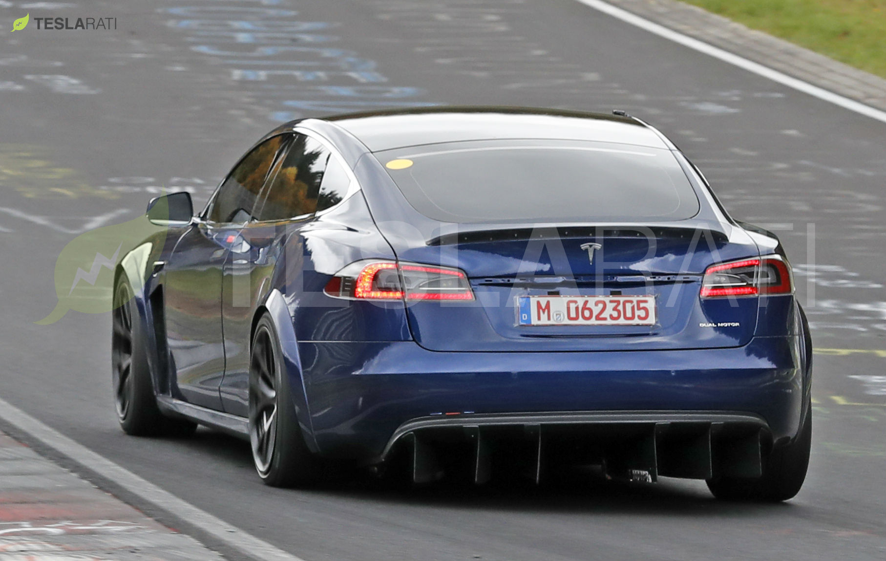 Blue Tesla Model S Plaid Nurburgring 20