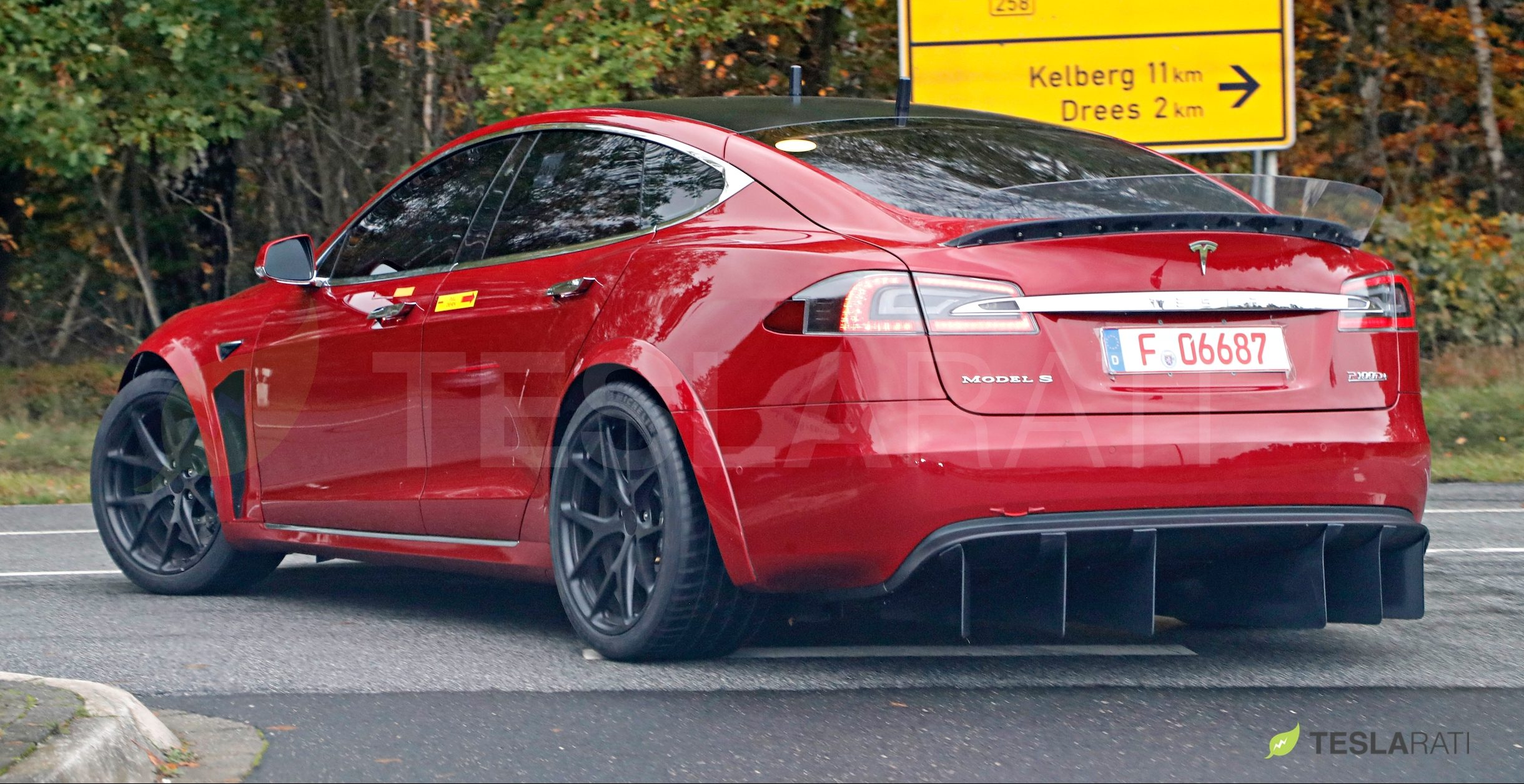 red-tesla-model-s-p100drear-diffuser