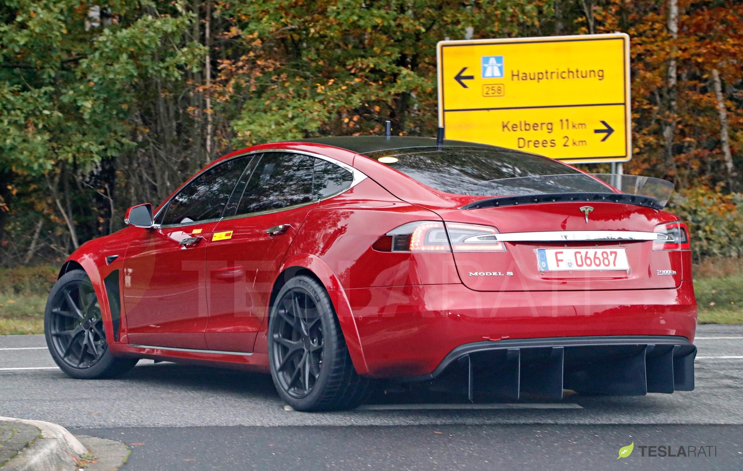 Red Tesla Model S P100D+ rear diffuser