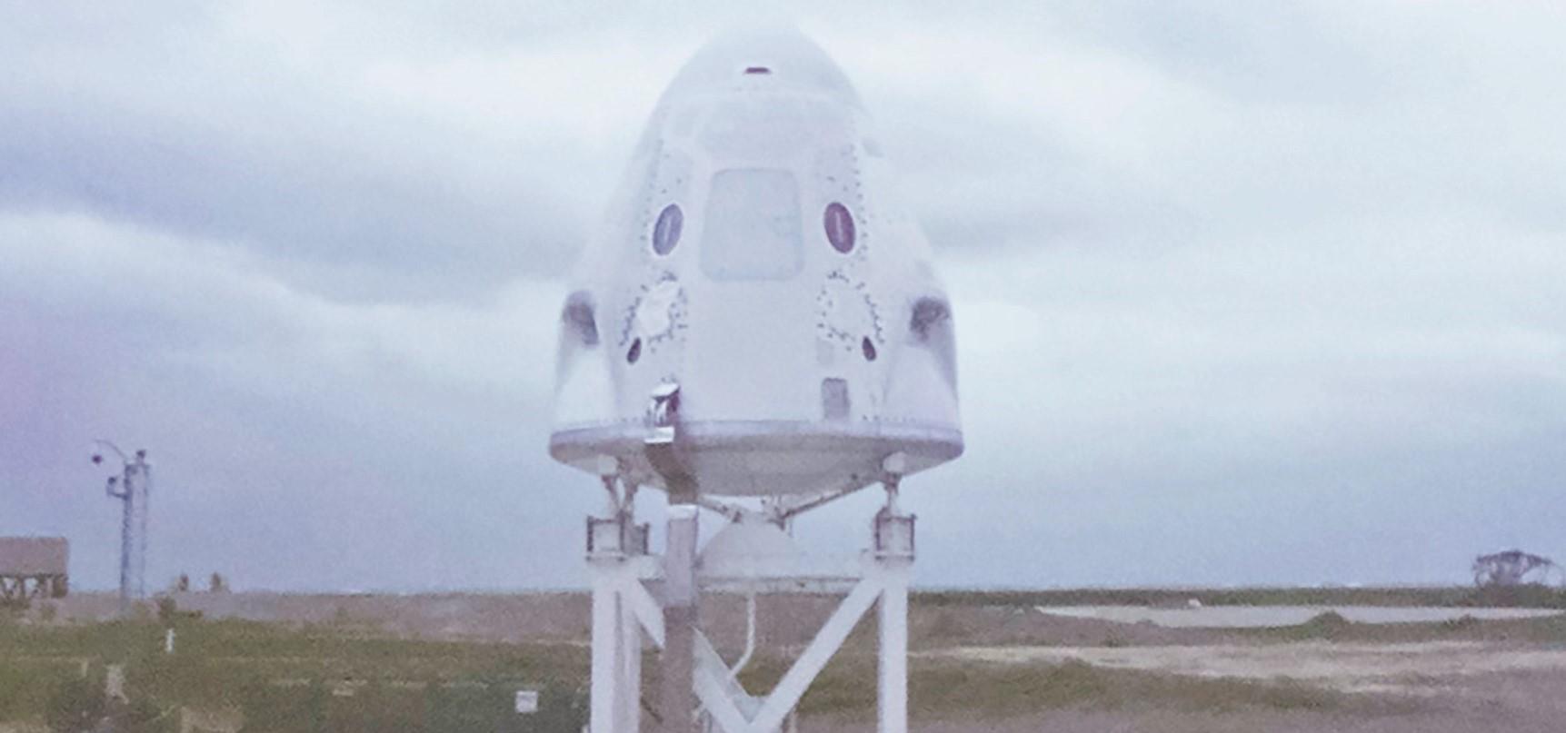 Crew Dragon C205 static fire 111319 (SpaceX) Behnken Hurley 1 crop 3 edit