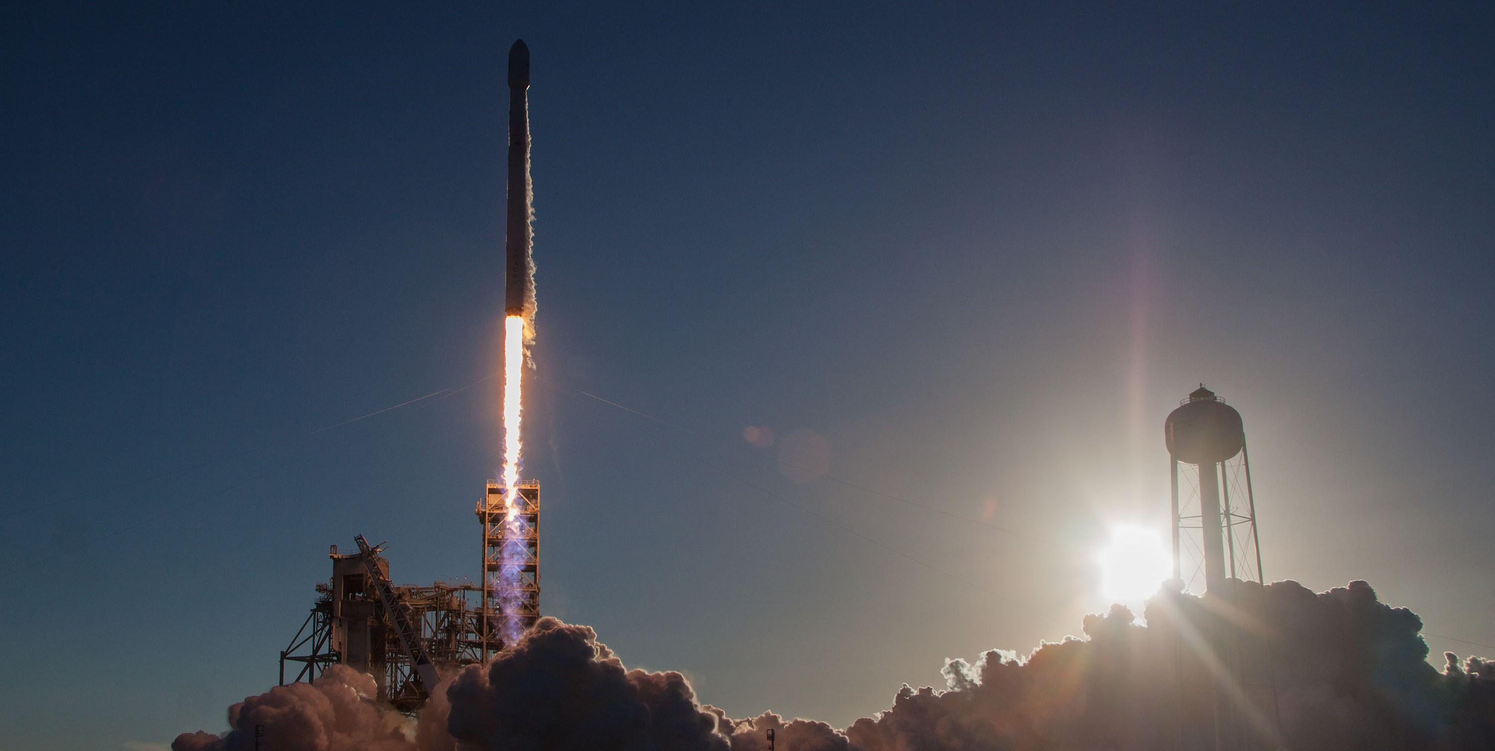 Intelsat 35e Falcon 9 July 2017 (SpaceX) launch 5 crop