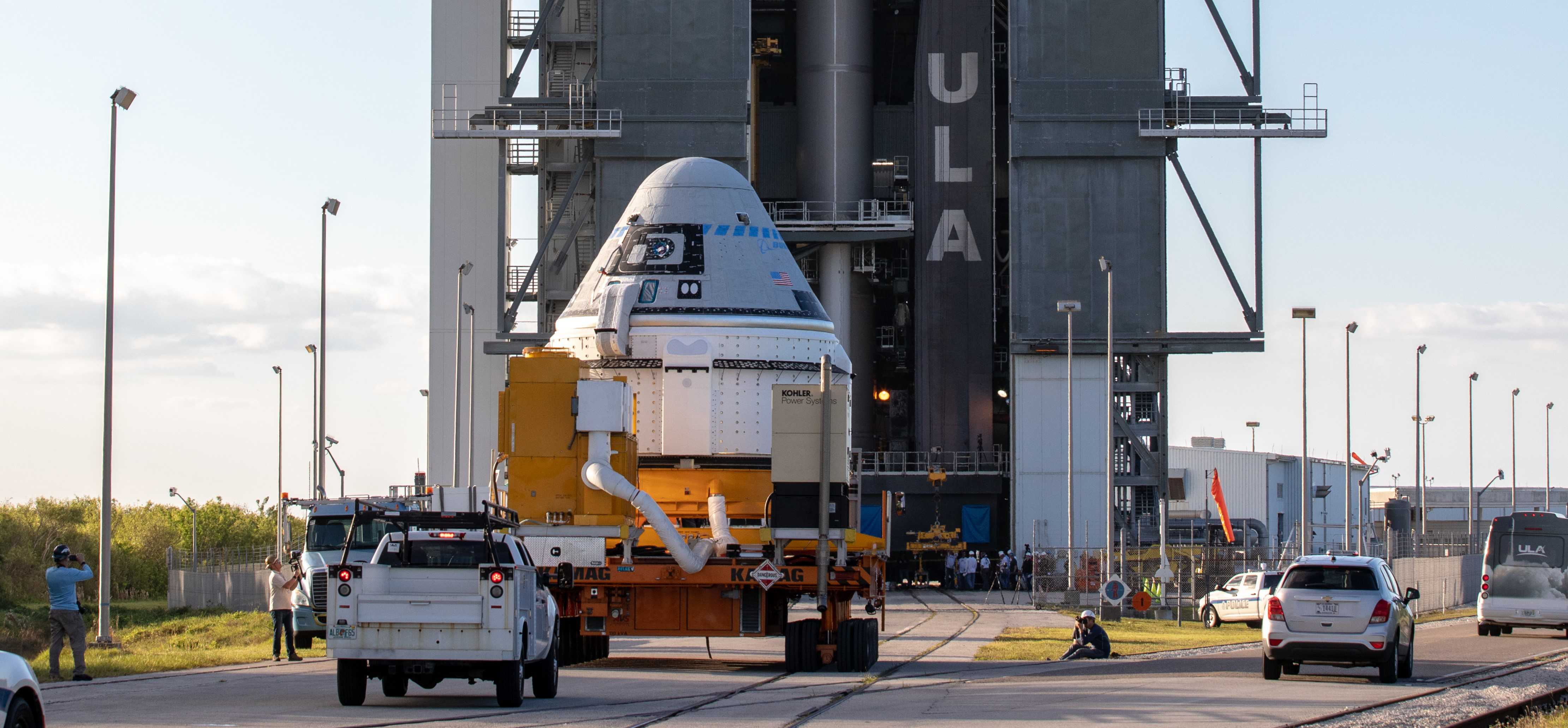 Starliner OFT rollout Atlas V 112119 (NASA – Cory Huston) 2 crop 2 (c)