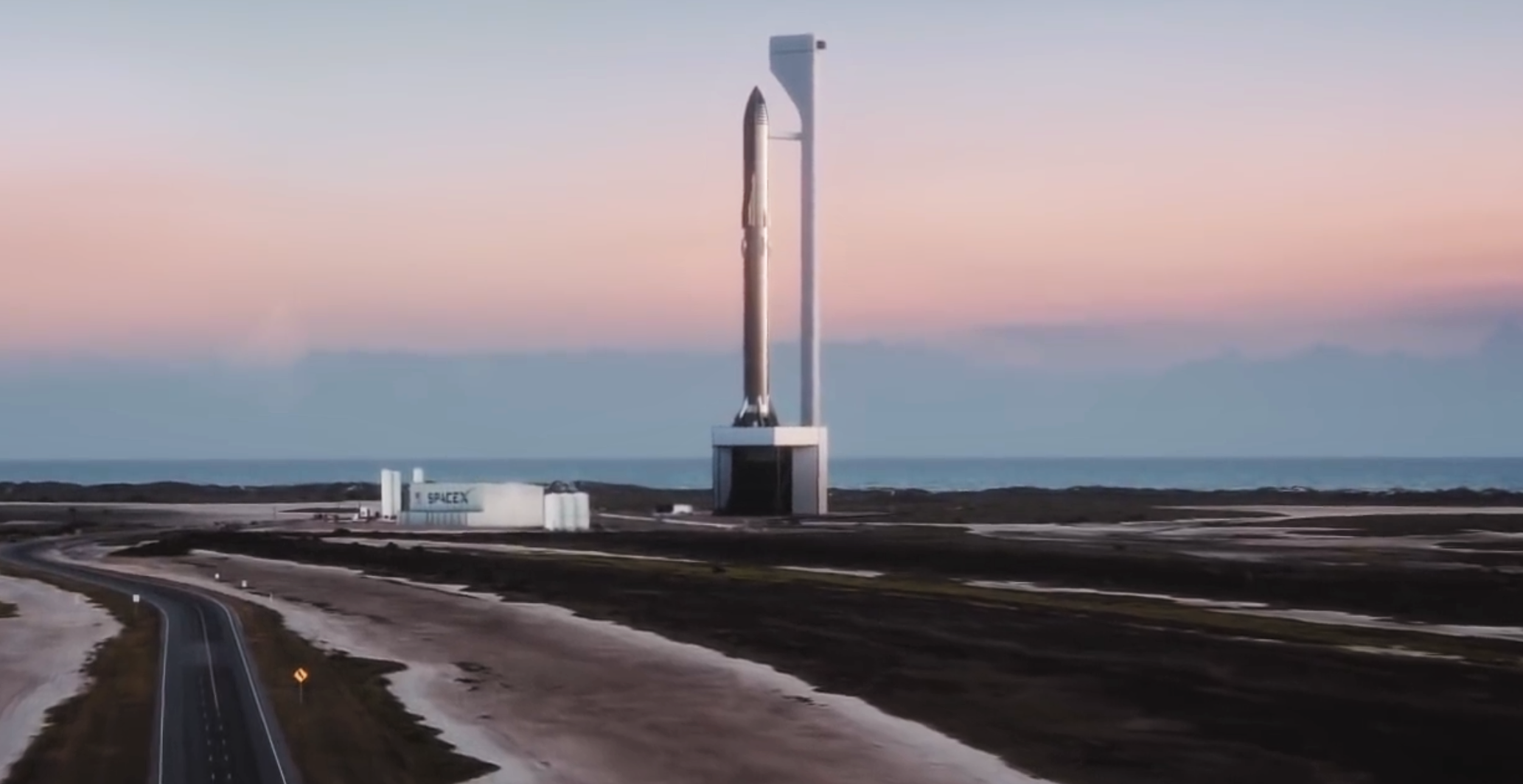 Starship Super Heavy 2019 (SpaceX) launch mount 1 crop