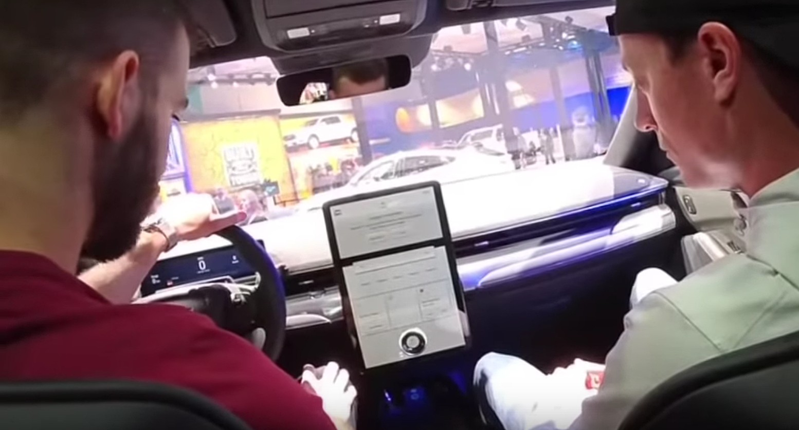 Ford Mach E Touchscreen Demo Only Highlights Tesla S Stark Lead In User Experience