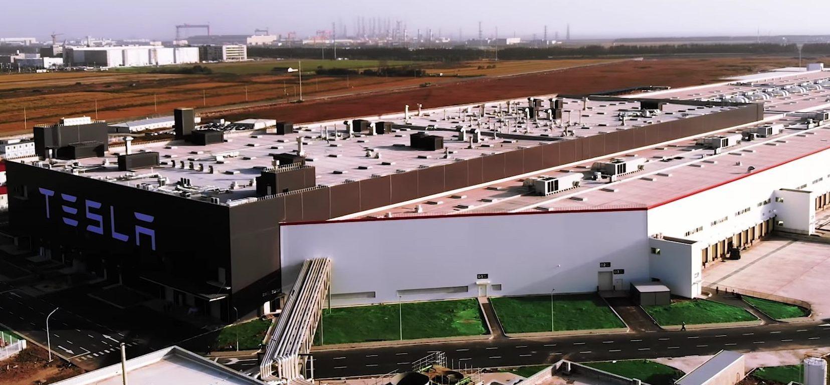 tesla-gigafactory-3-phase-2-roofing-model-3-trial-units