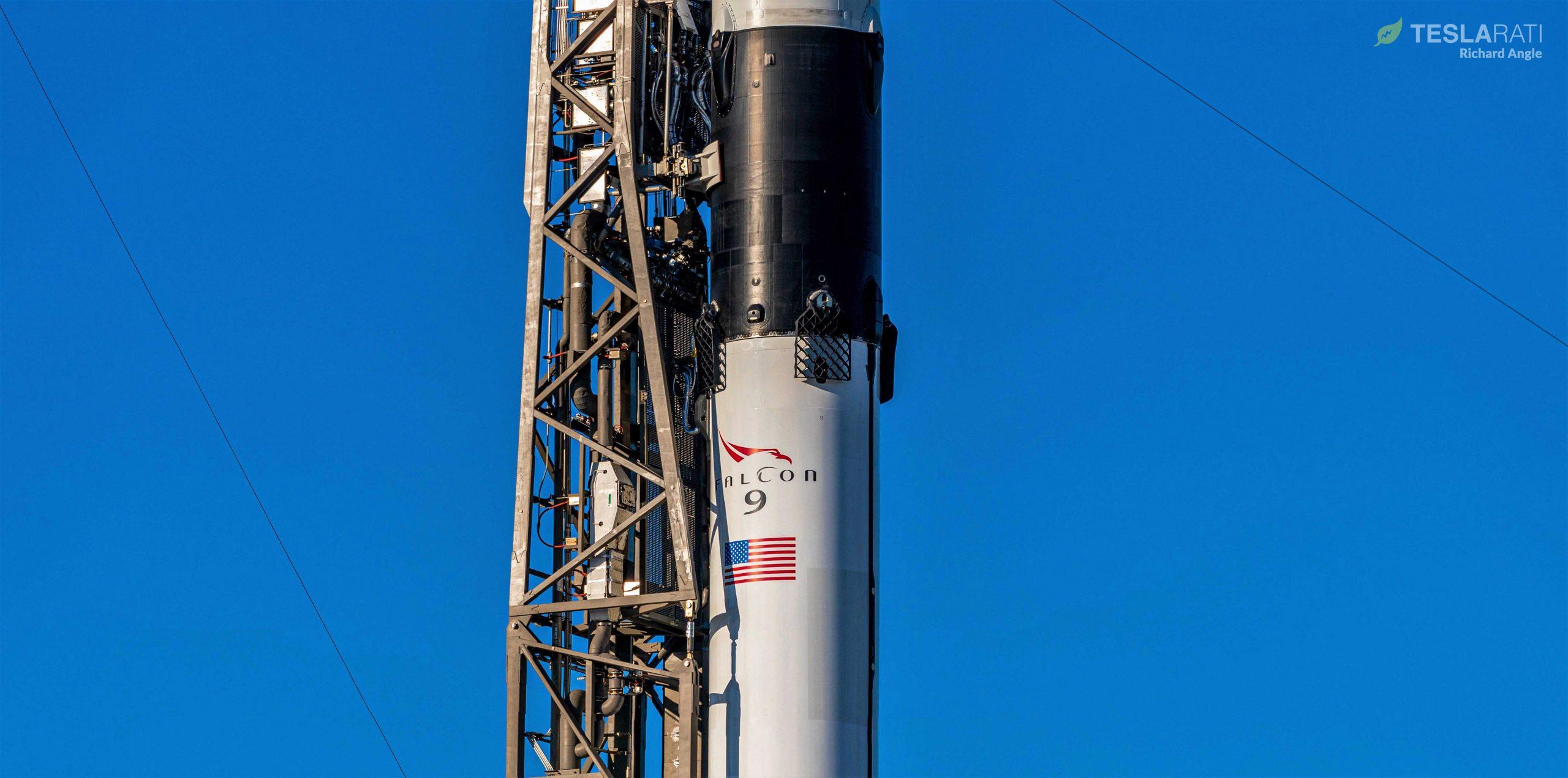 CRS-19 C106 Falcon 9 B1059 vertical LC-40 120419 (Richard Angle) (3) crop (c)
