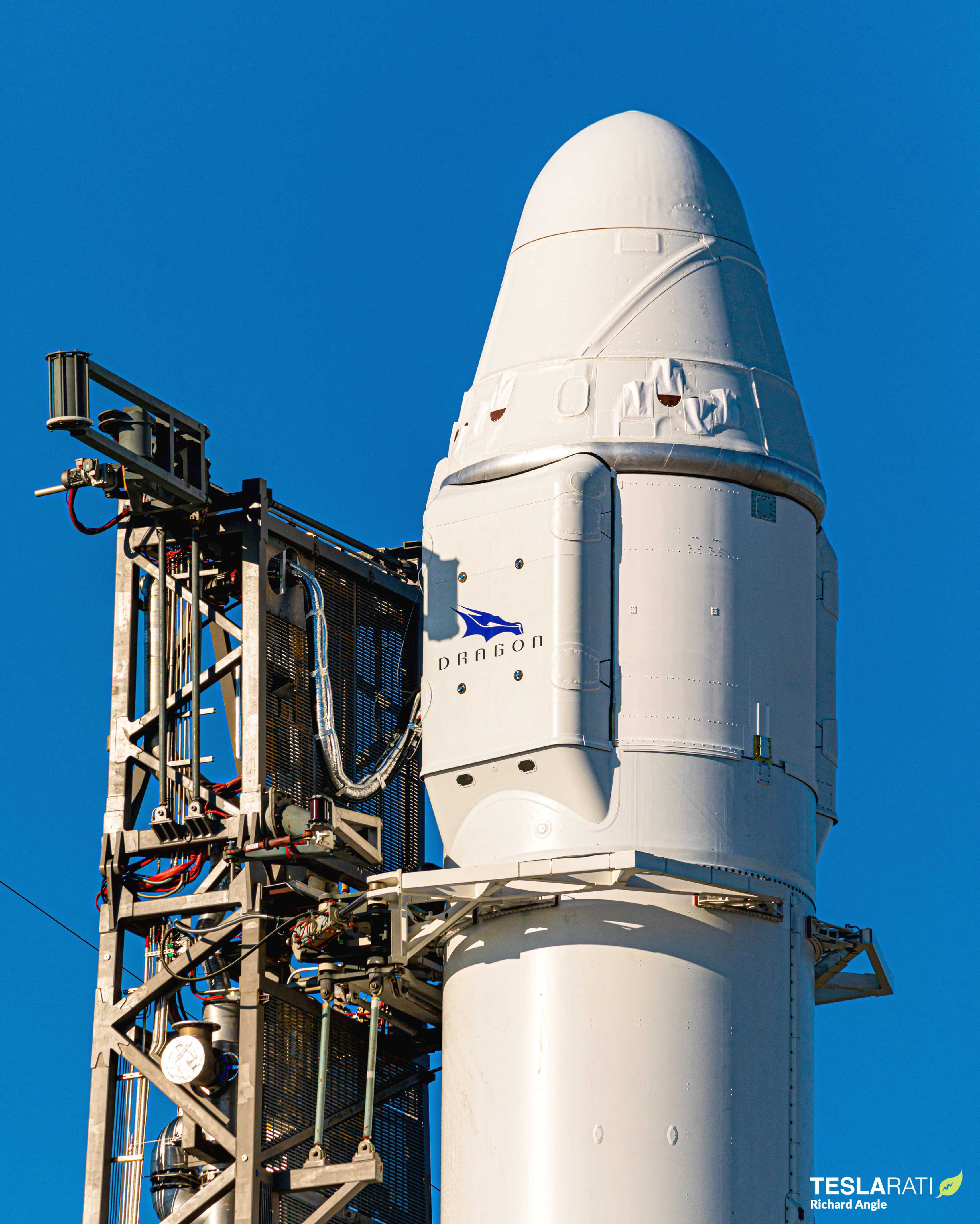 CRS-19 C106 Falcon 9 B1059 vertical LC-40 120419 (Richard Angle) (5) (c)