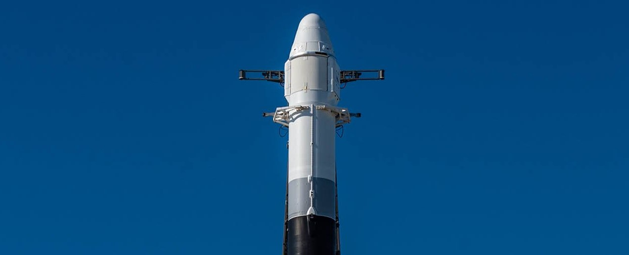 Cargo Dragon C108 CRS-18 Falcon 9 B1056 vertical (SpaceX) 1 crop 2