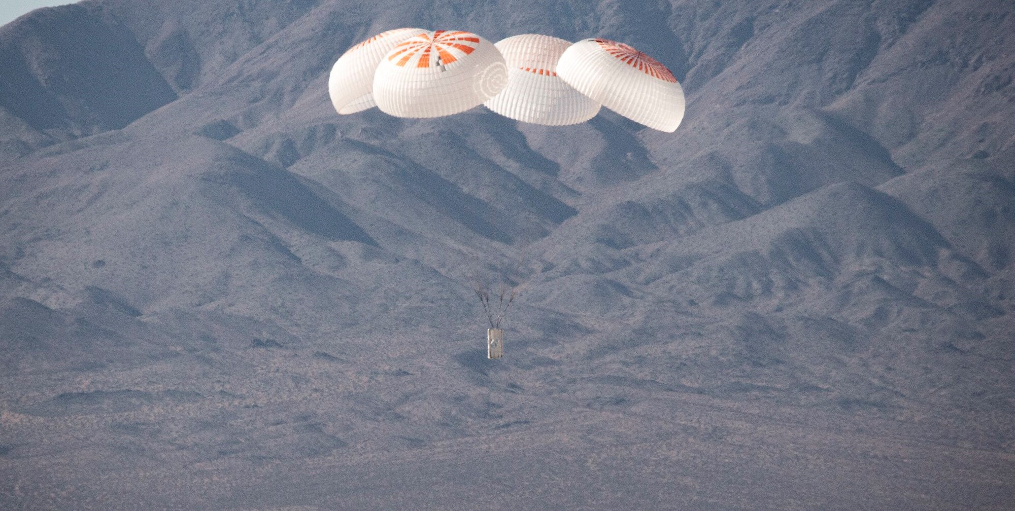 Crew Dragon Mk3 four parachute testing Nov 2019 (SpaceX) 2 crop