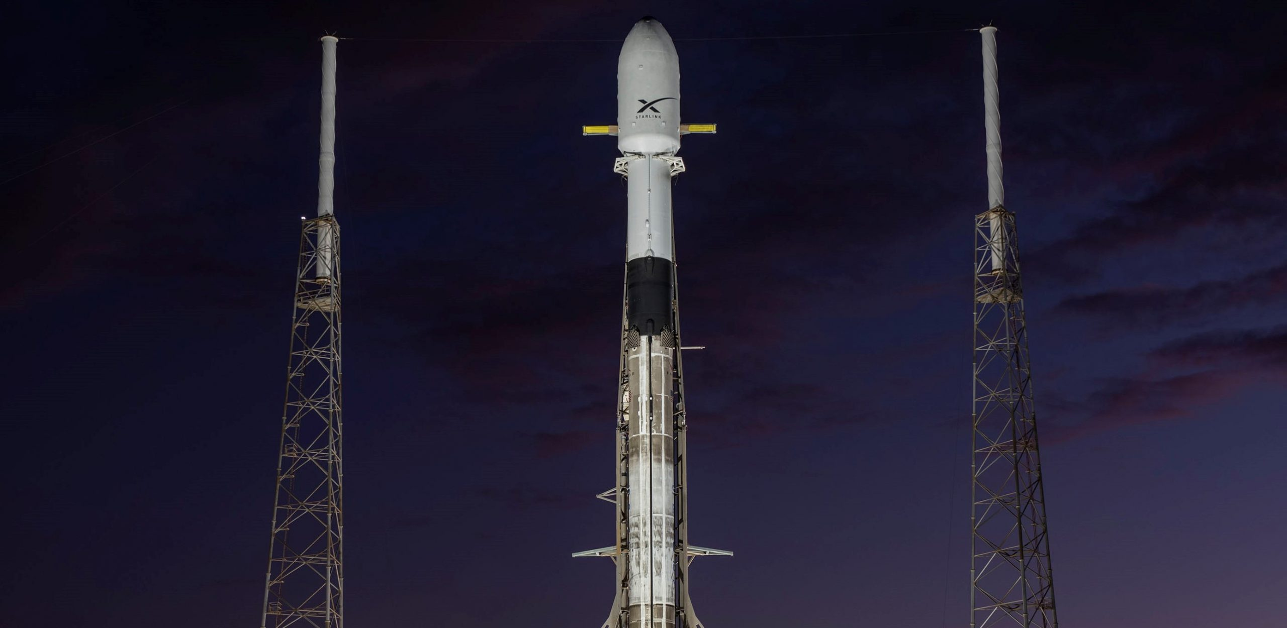 Starlink-1 Falcon 9 B1048 LC-40 vertical 111019 (SpaceX) 1 crop
