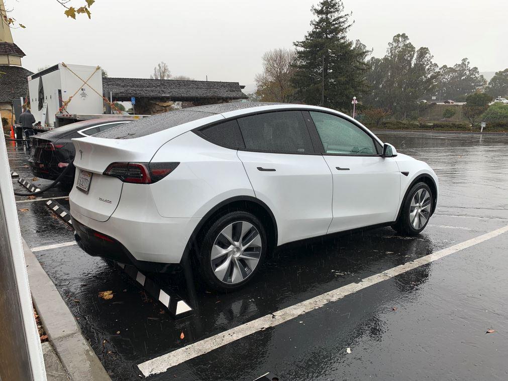 Tesla Model Y Performance 3