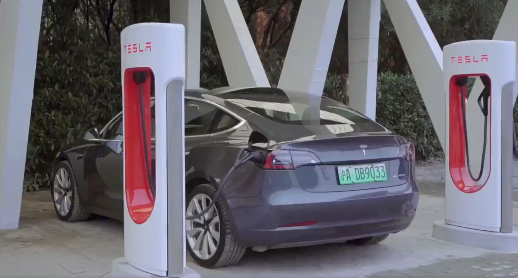 Tesla V3 Supercharger in Shanghai