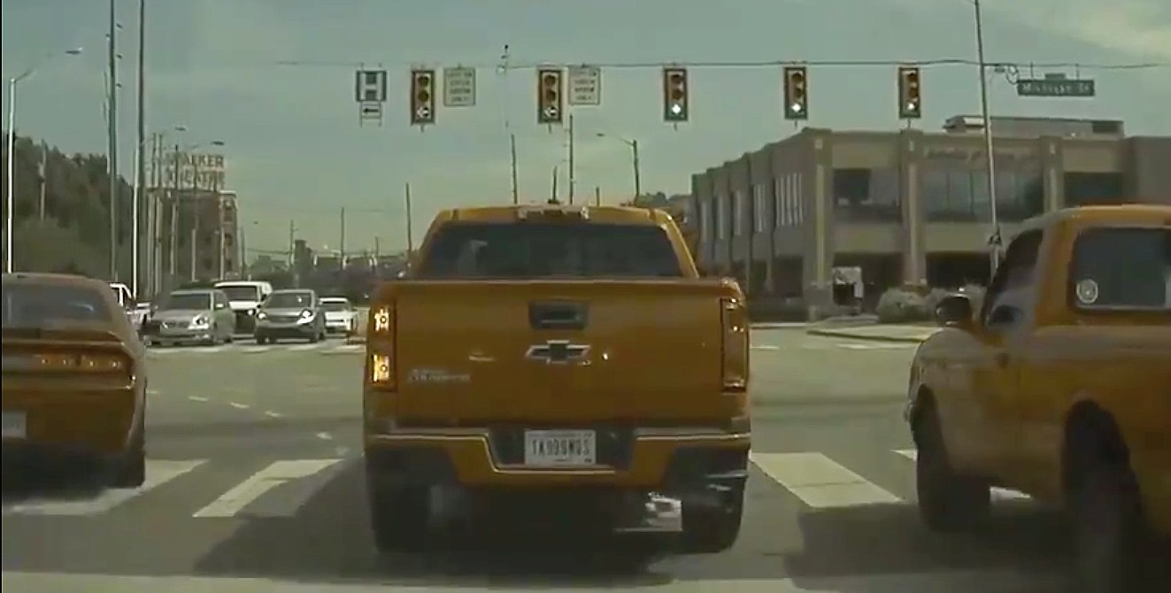 pmoconne-traffic-turn-signal-case-resolved-dashcam