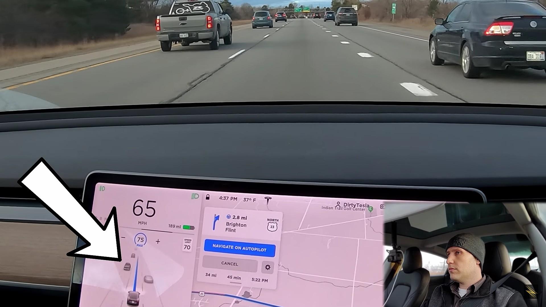 tesla-auto-lane-adjustments