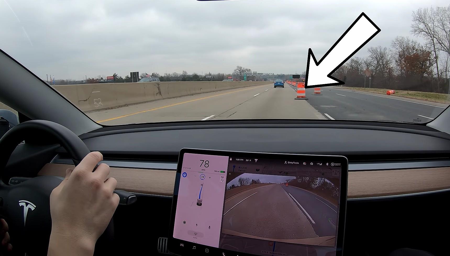 tesla-autopilot-traffic-cone