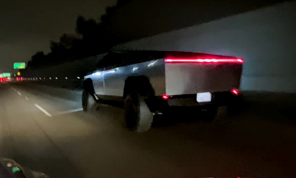 Tesla Cybertruck spotted on 405 freeway