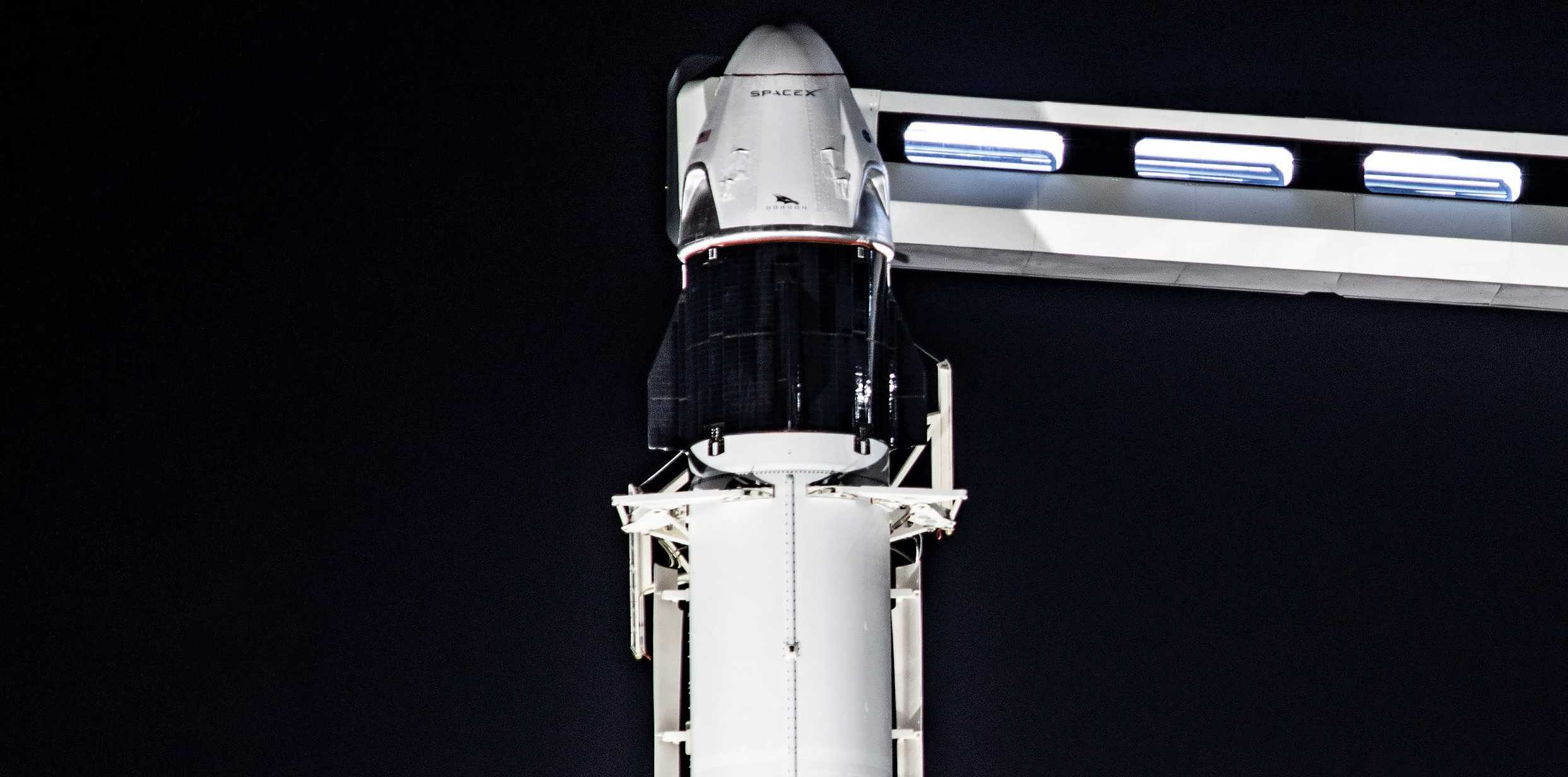 Crew Dragon C205 F9 B1046 IFA 39A vertical 011620 (SpaceX) 2 crop 2 (c)
