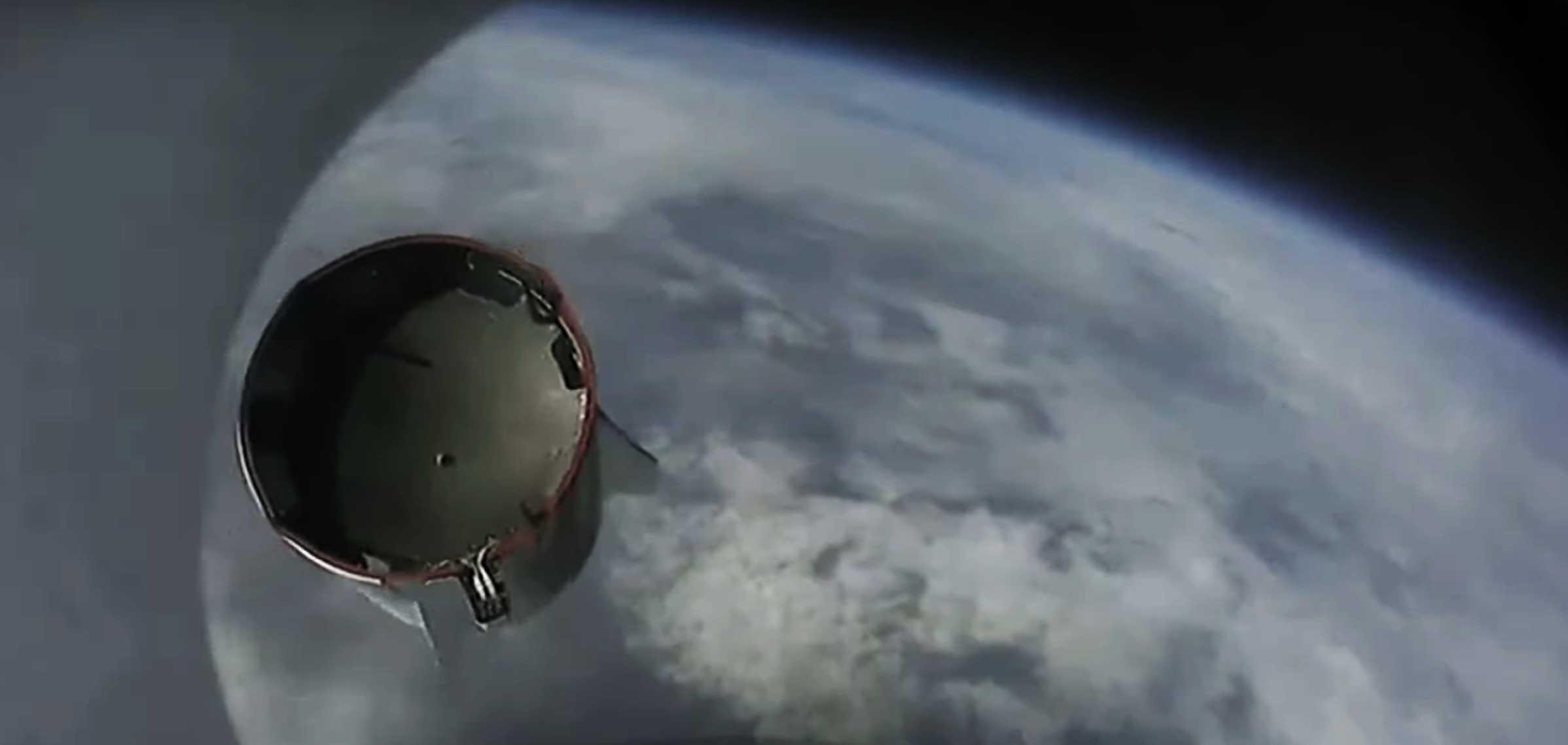 Crew Dragon C205 F9 B1046 IFA webcast (SpaceX) trunk sep 1 crop (c)