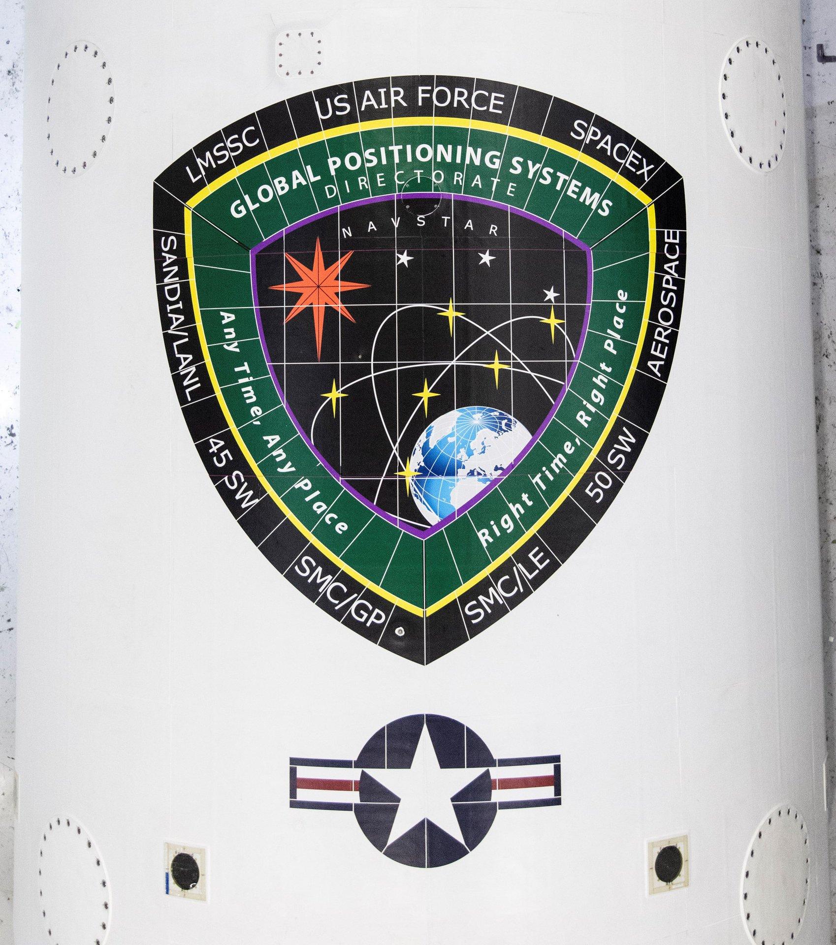 GPS III SV03 Falcon 9 B1060 processing 2019 (SpaceX) fairing 1